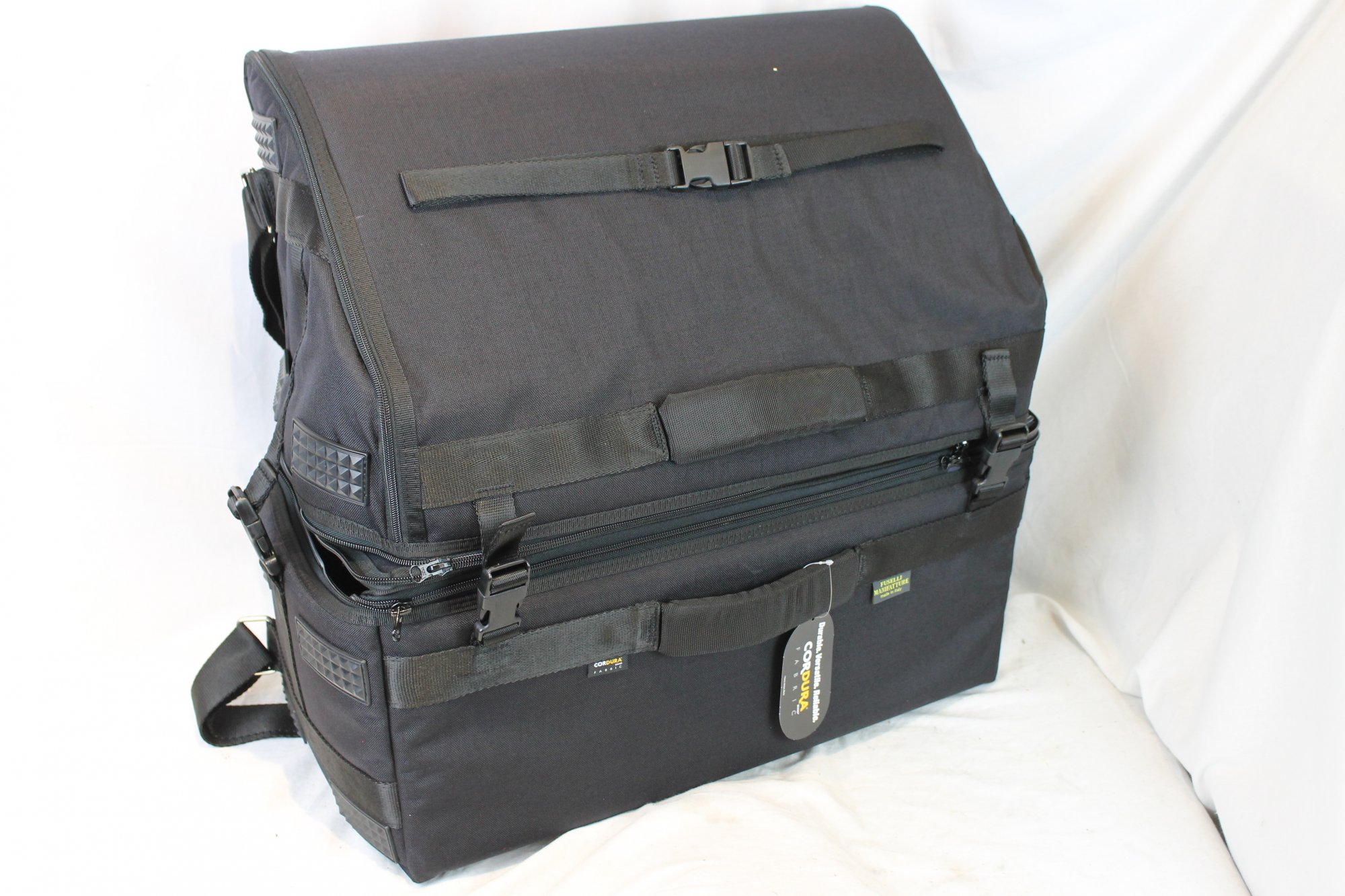 NEW Black Fuselli Jet Set Gig Bag for Accordion 22 x 21.5 x 10 fits Standard and Extended Key Piano Accordions