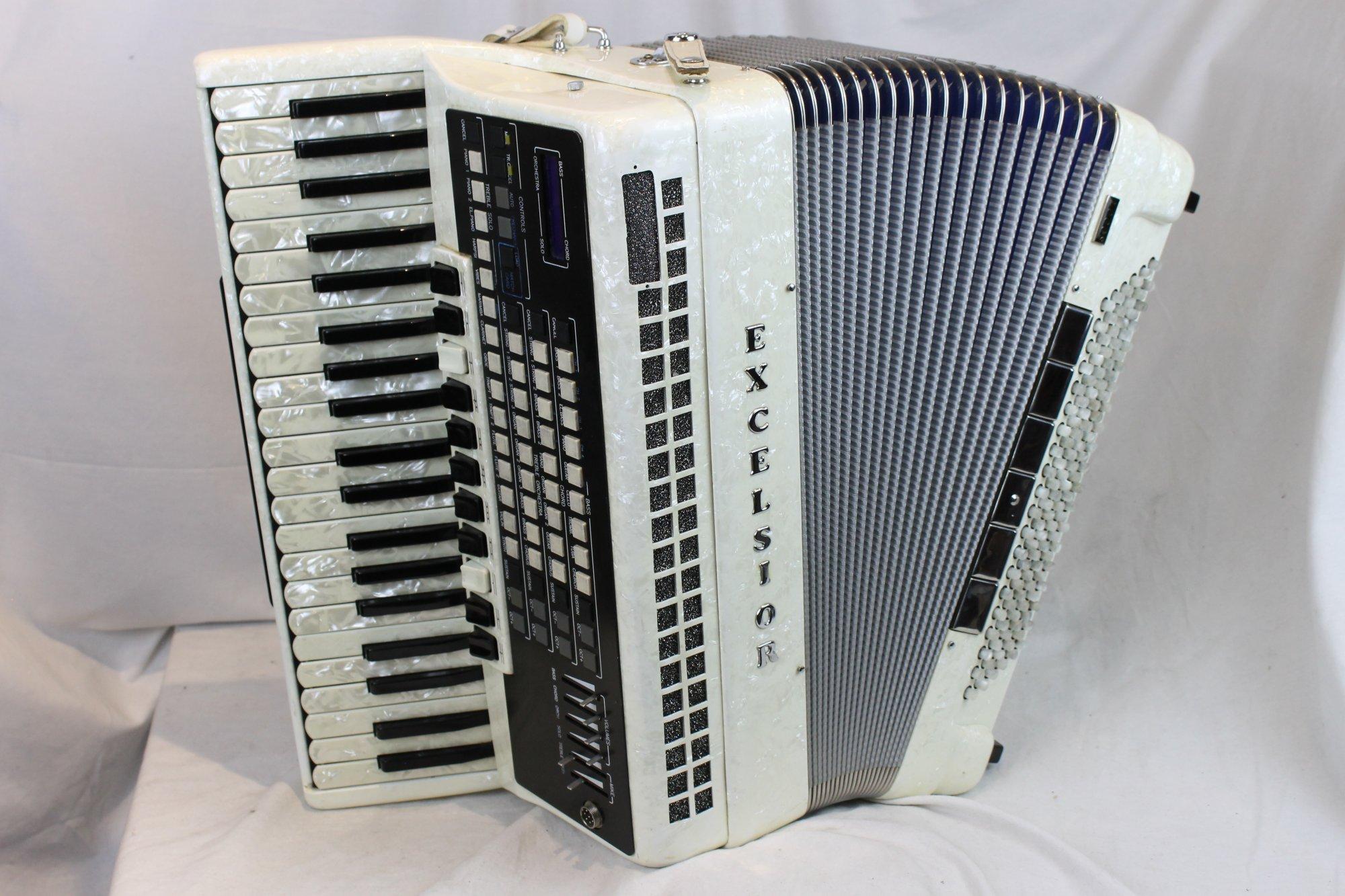 3531 - Cream Excelsior 911 Piano Accordion LMMM 41 120