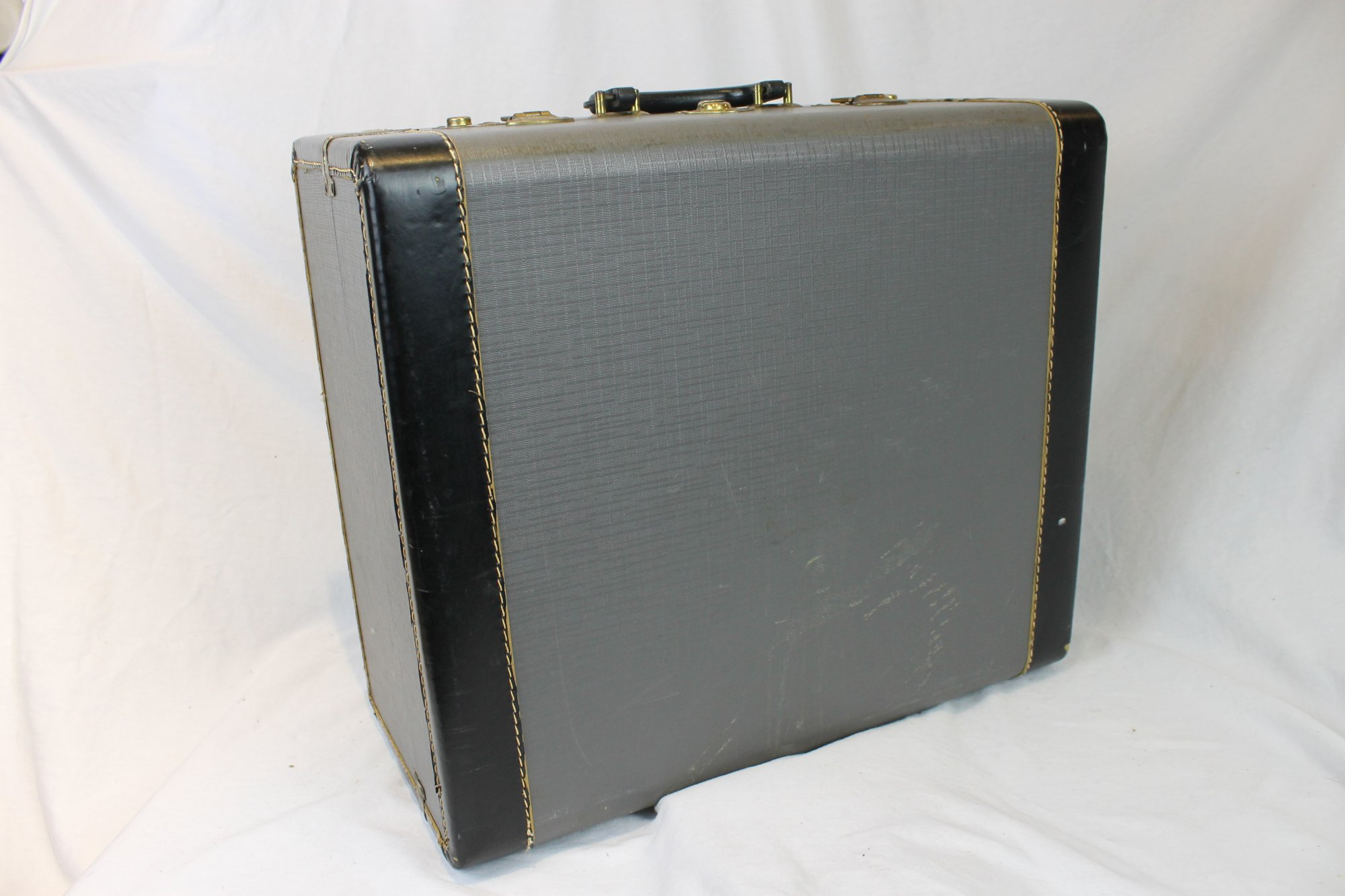 Gray Hohner Accordion Hard Case 18 x 15.5 x 8.5 (46 cm x 39cm x 22cm)