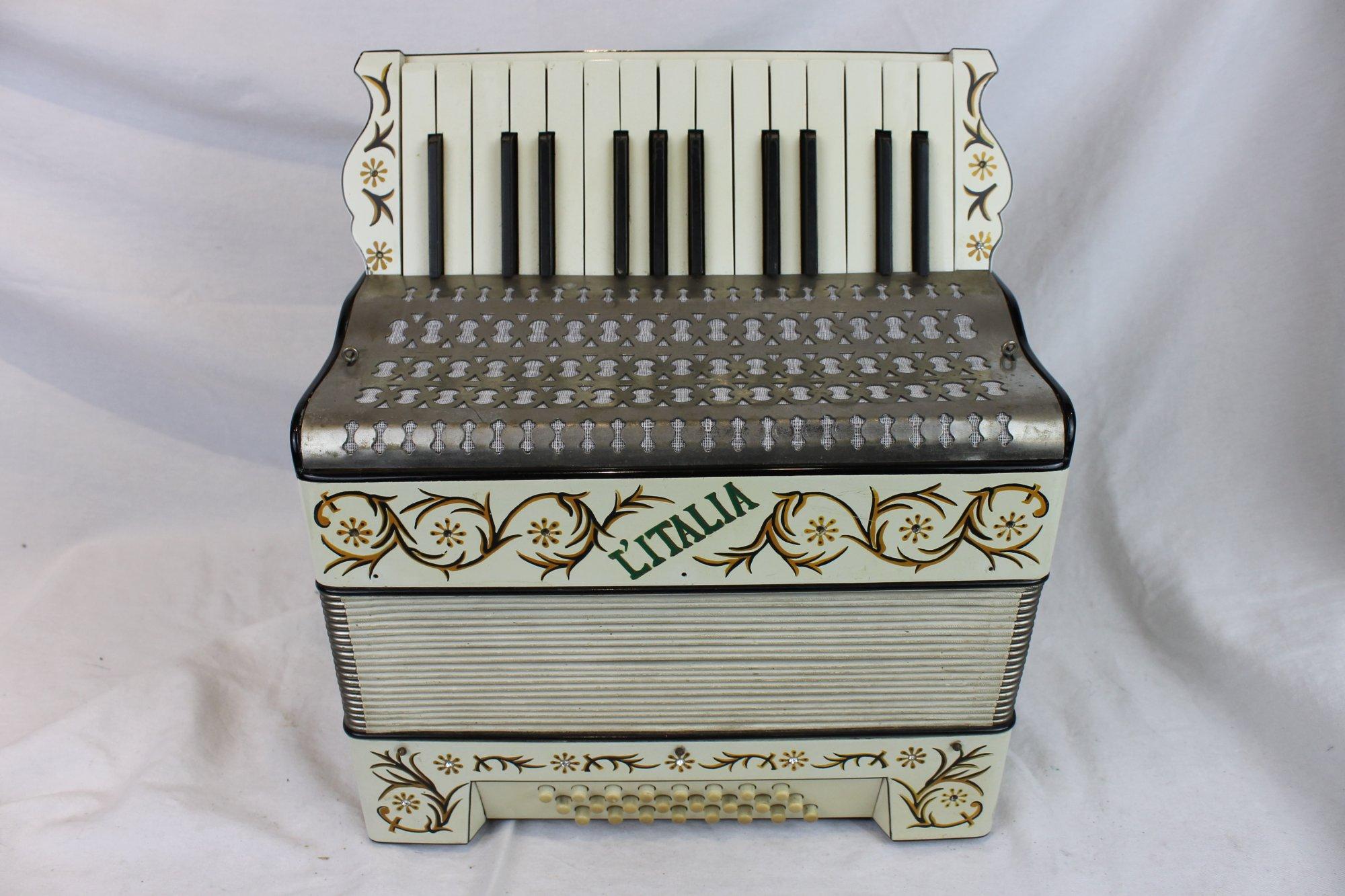 6083 - Cream L'Italia Piano Accordion 25 24 - For Parts or Repair