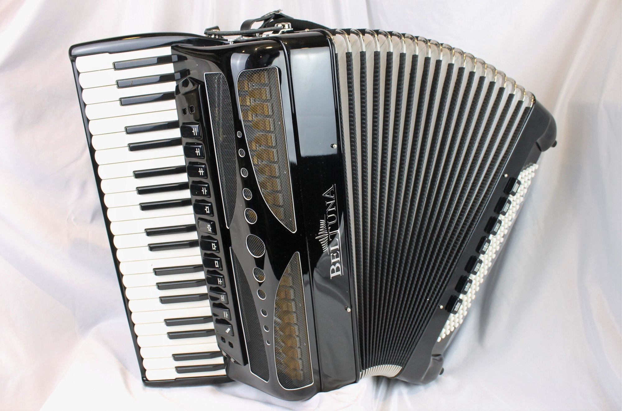 NEW Black Beltuna Play IV Luxe Pro 120C-P Double Tone Chamber Piano Accordion 41 120