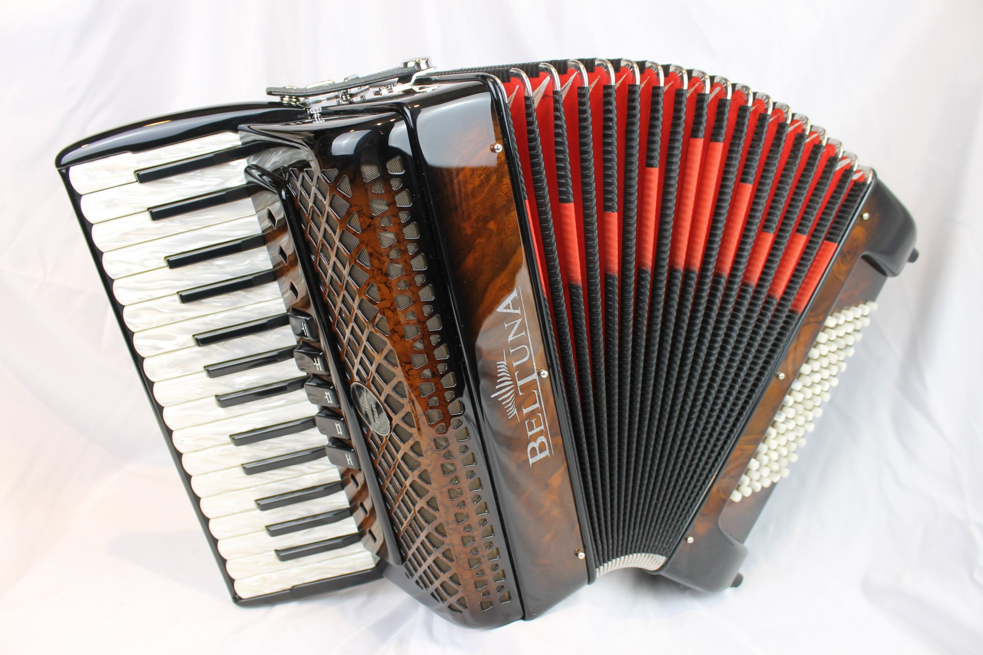 NEW Walnut Root Beltuna Euro III Piano Accordion LMM 30 72