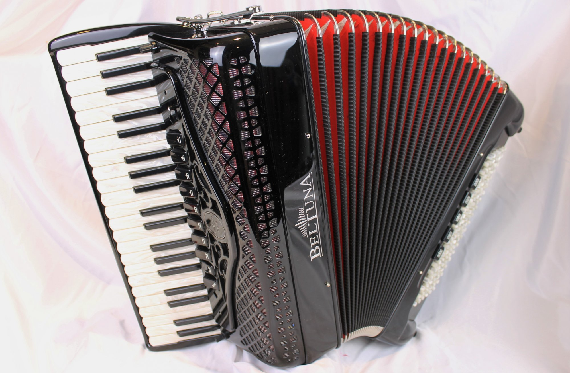 NEW Black Beltuna Euro IV Special Piano Accordion LMMM 41 120
