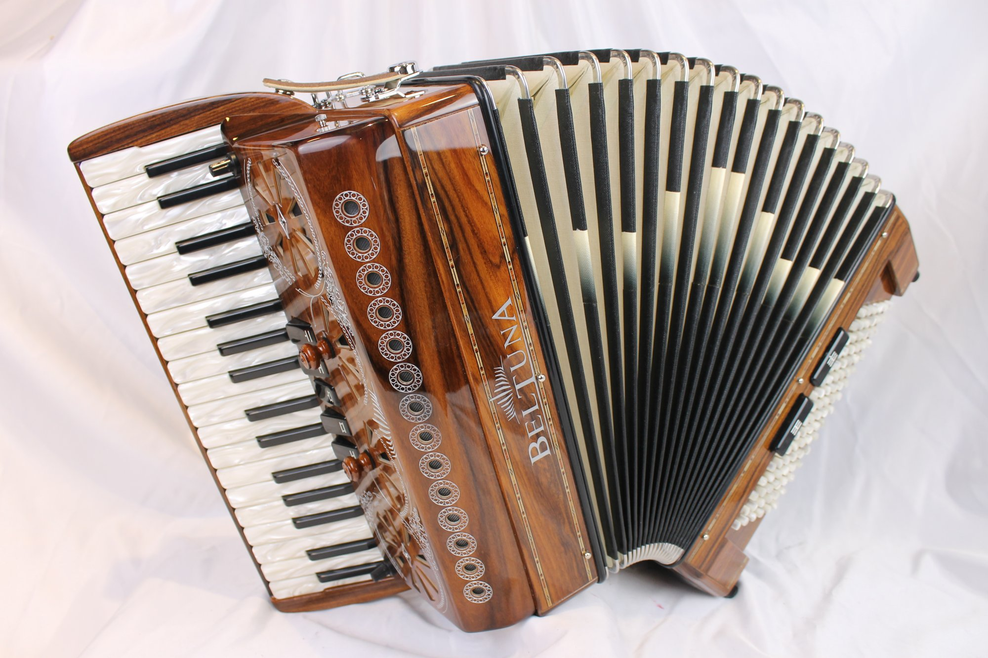 NEW Folklore Beltuna Alpstar III Piano Accordion LMM 34 96