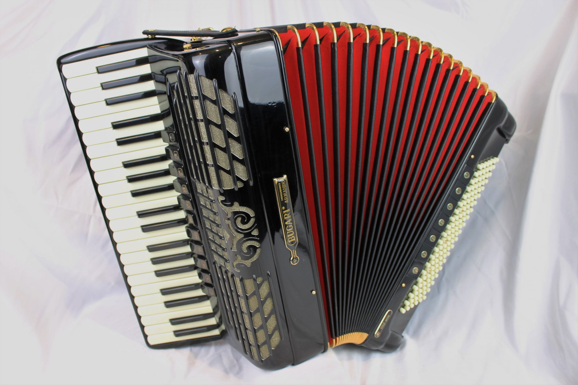 5032 - Like New Black Bugari 280 Gold Piano Accordion LMMM 41 120