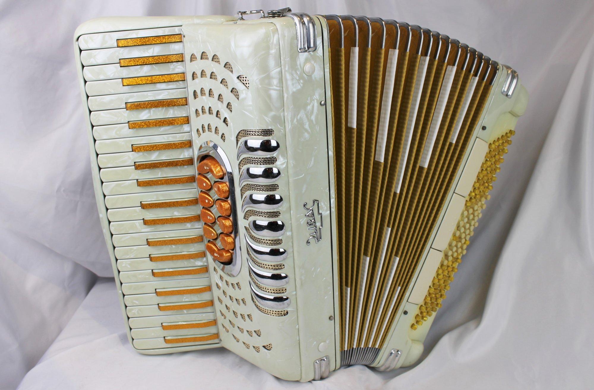 5198 - Ivory Gold Lira Piano Accordion LMH 41 120