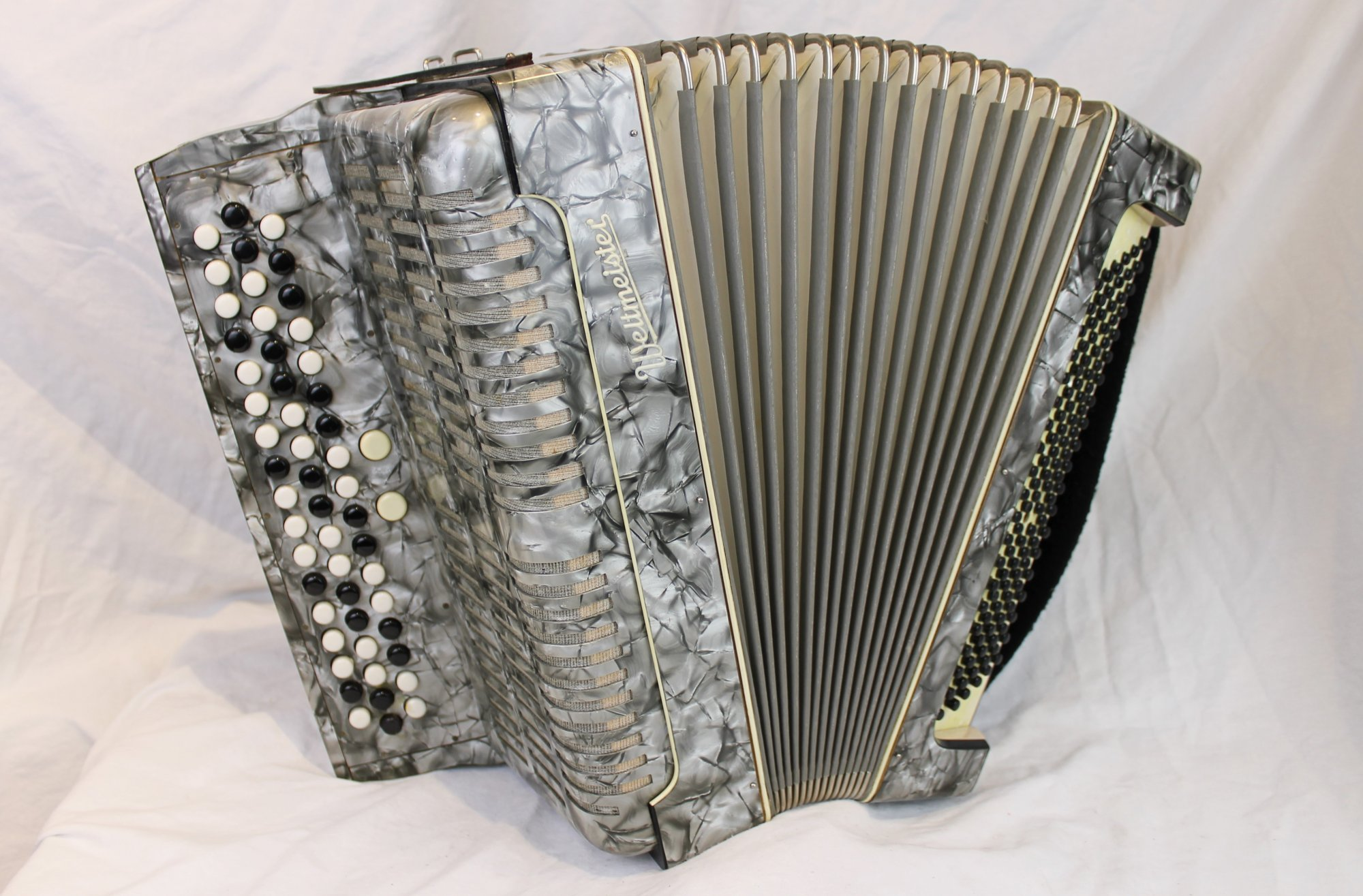 5211 - Silver Weltmeister Bayan Chromatic Button Accordion B System MMM 52 120