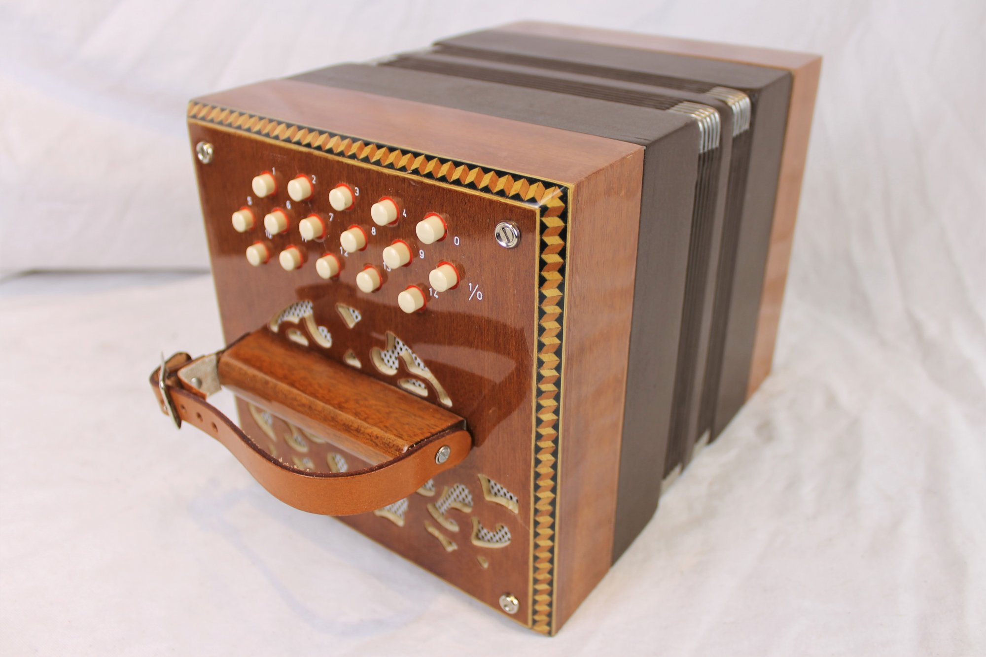 5223 - Like New Mahogany Stagi Chemnitzer Concertina C-39 Key of C (A on 5 Push) M 23 16