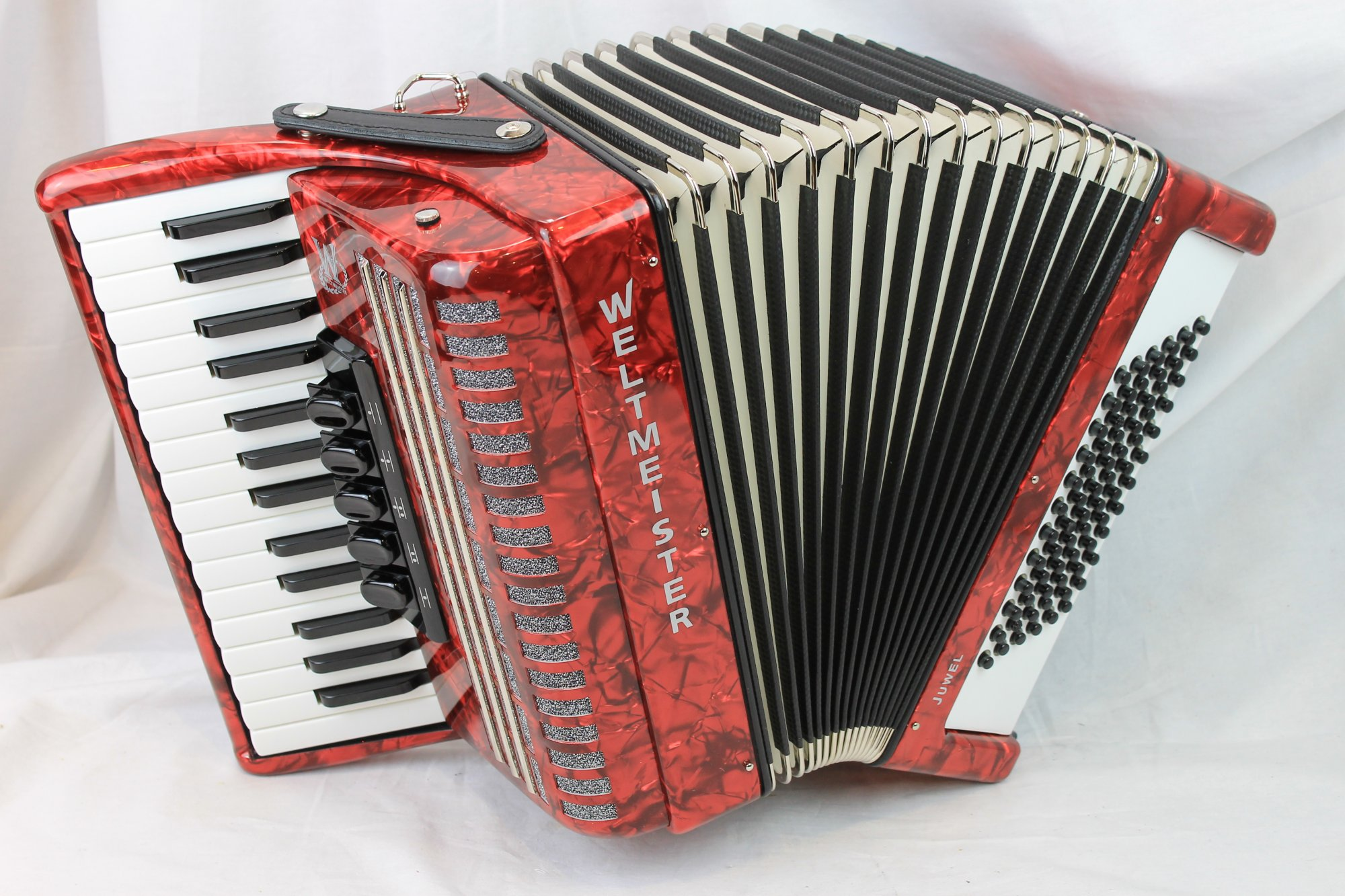 NEW Red Weltmeister Juwel Piano Accordion LMM 30 72
