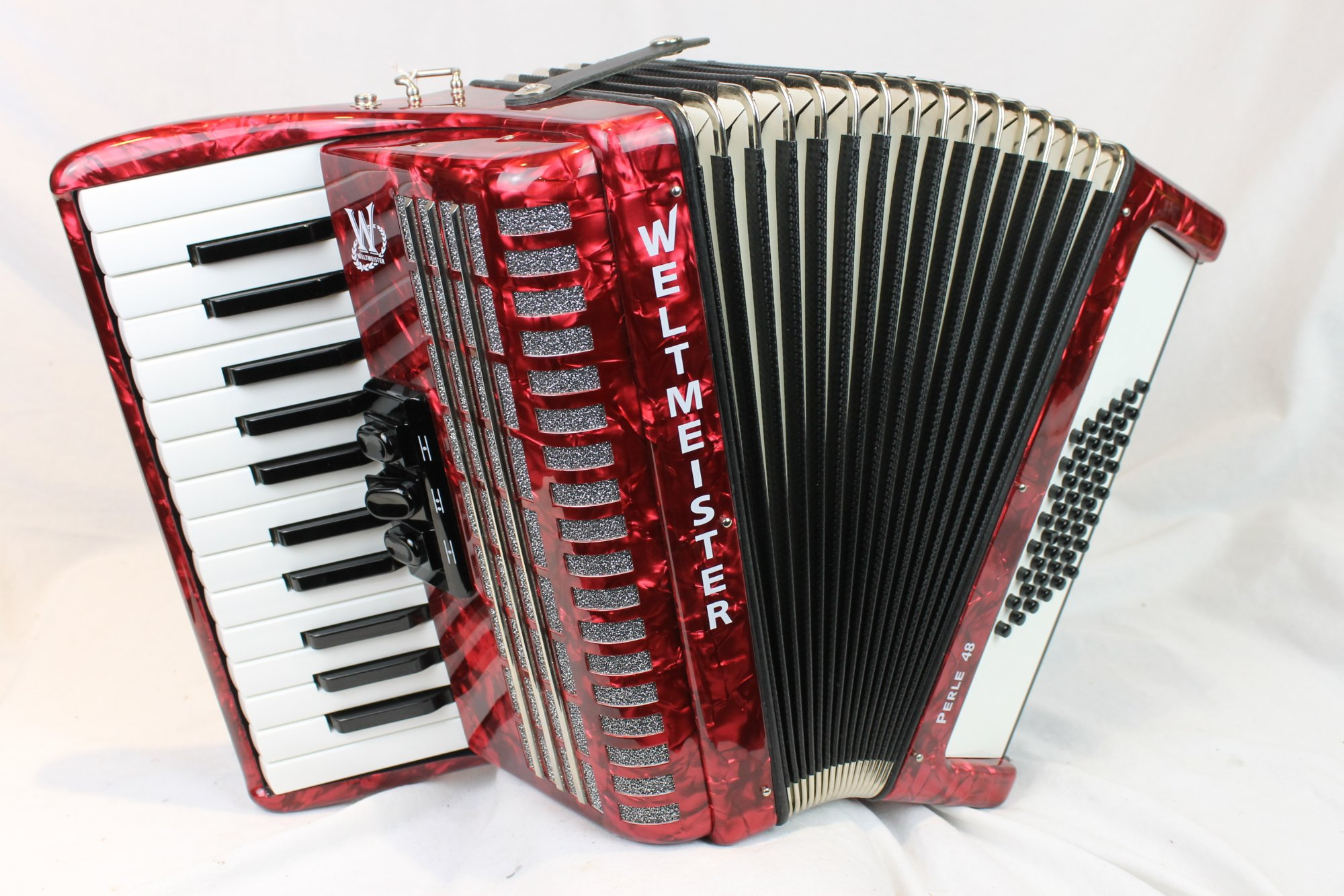 NEW Red Weltmeister Perle Piano Accordion MM 26 48