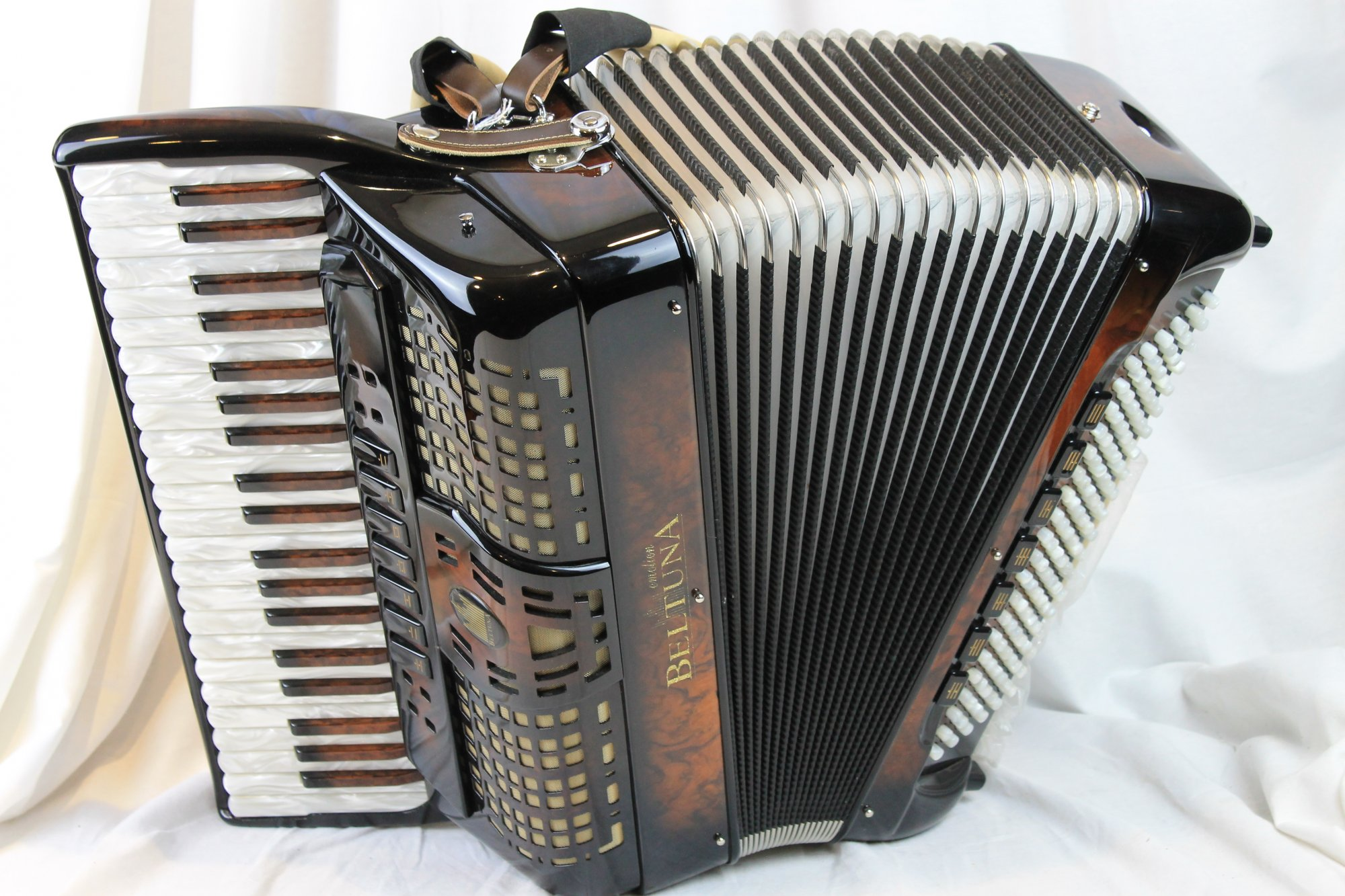 NEW Walnut Root Beltuna Prestige III Piano Accordion LMM 42 120