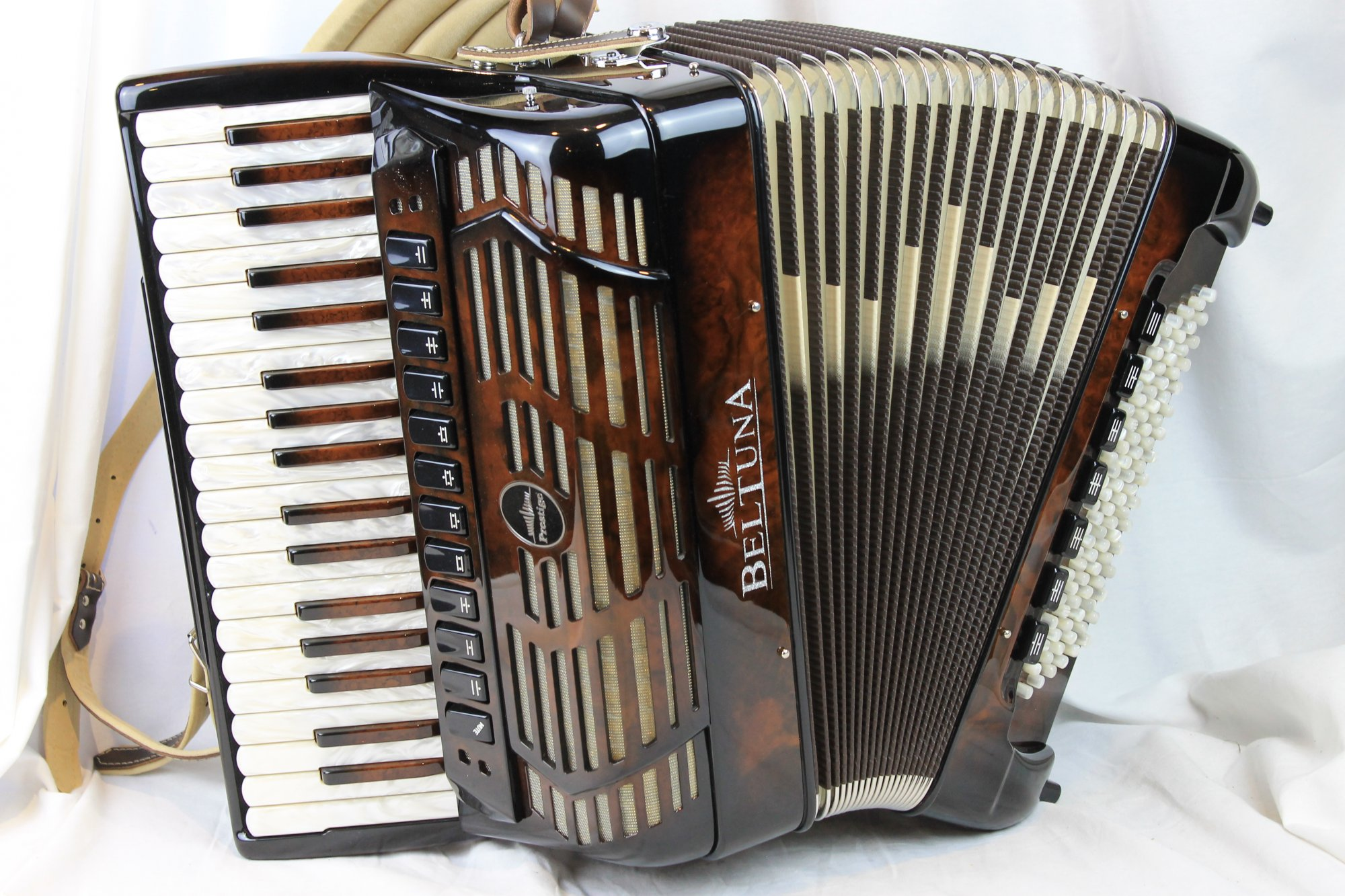 NEW Walnut Root Beltuna Prestige IV Piano Accordion LMMH 37 96