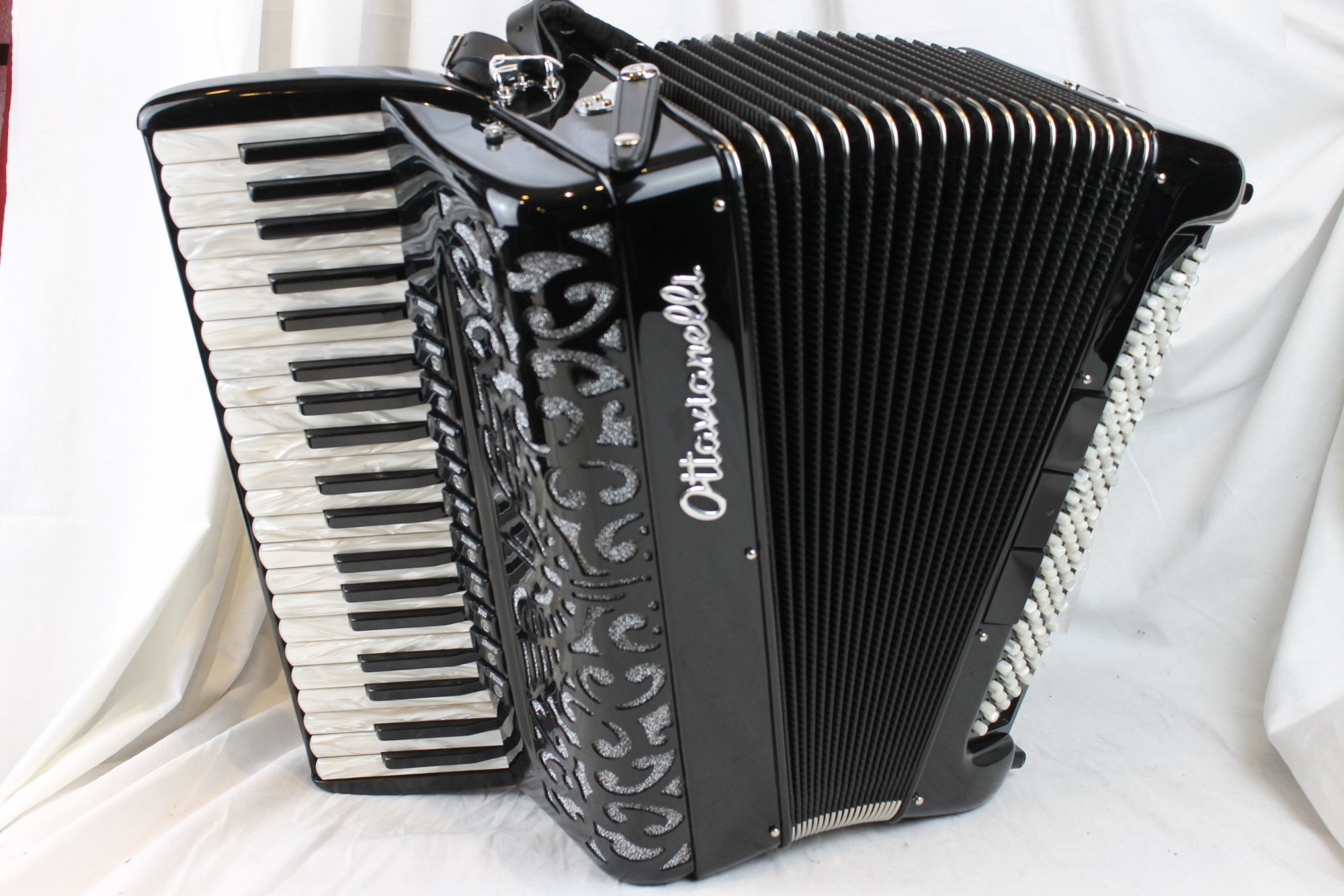 NEW Black Ottavianelli Principessa II Piano Accordion LMMH 41 120