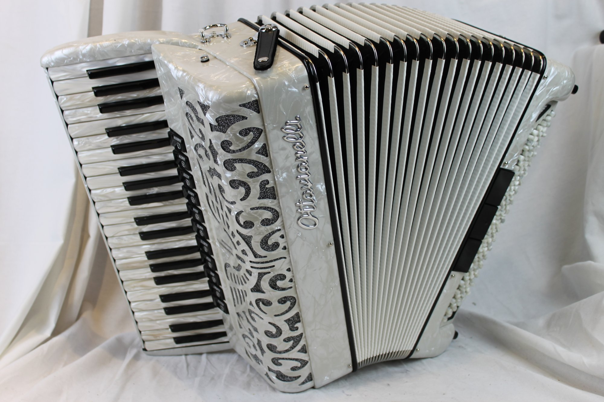 NEW White Ottavianelli Principessa II Piano Accordion LMMH 41 120