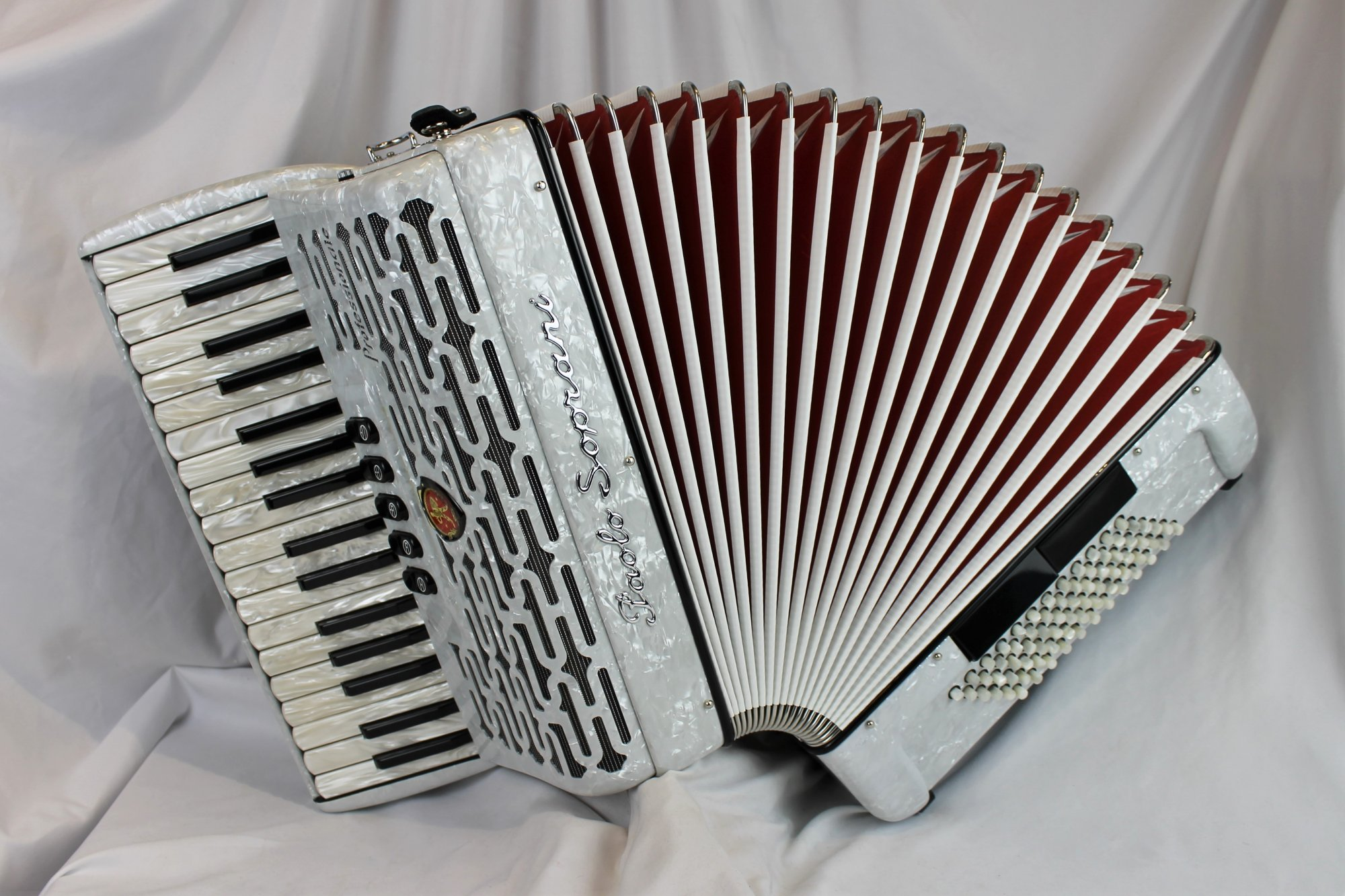 NEW White Paolo Soprani Professionale Piano Accordion LMM 34 72