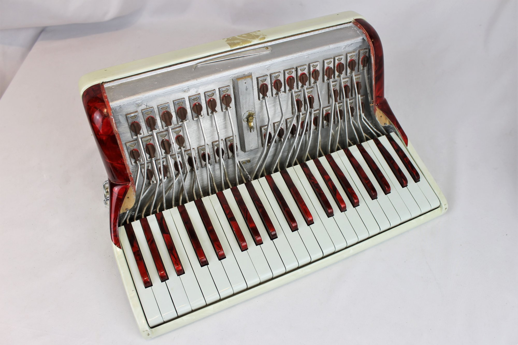 Cingolani Accordion Part - White and Red Treble Section 15.8 x 8.25 x 7