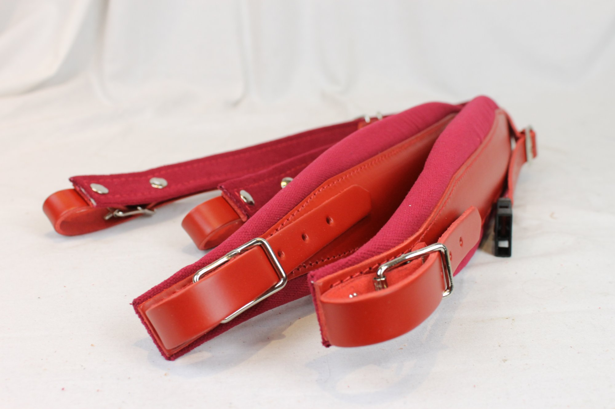New Red Leather Velour Fuselli Accordion Shoulder Straps Width (8cm / 3.1in) Length (86cm-106cm / 33.9-41.7 inch)