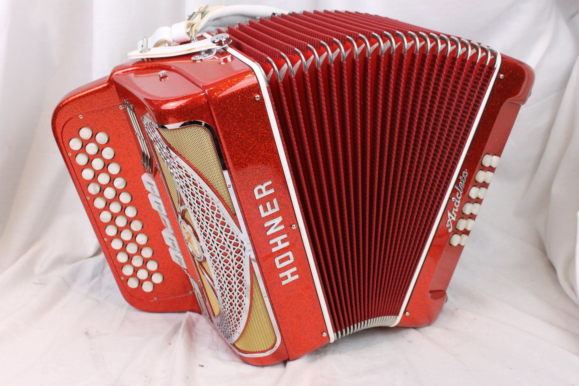 NEW Red Tinsel Hohner Anacleto Rey Del Norte III S Diatonic Accordion GCF SOL
