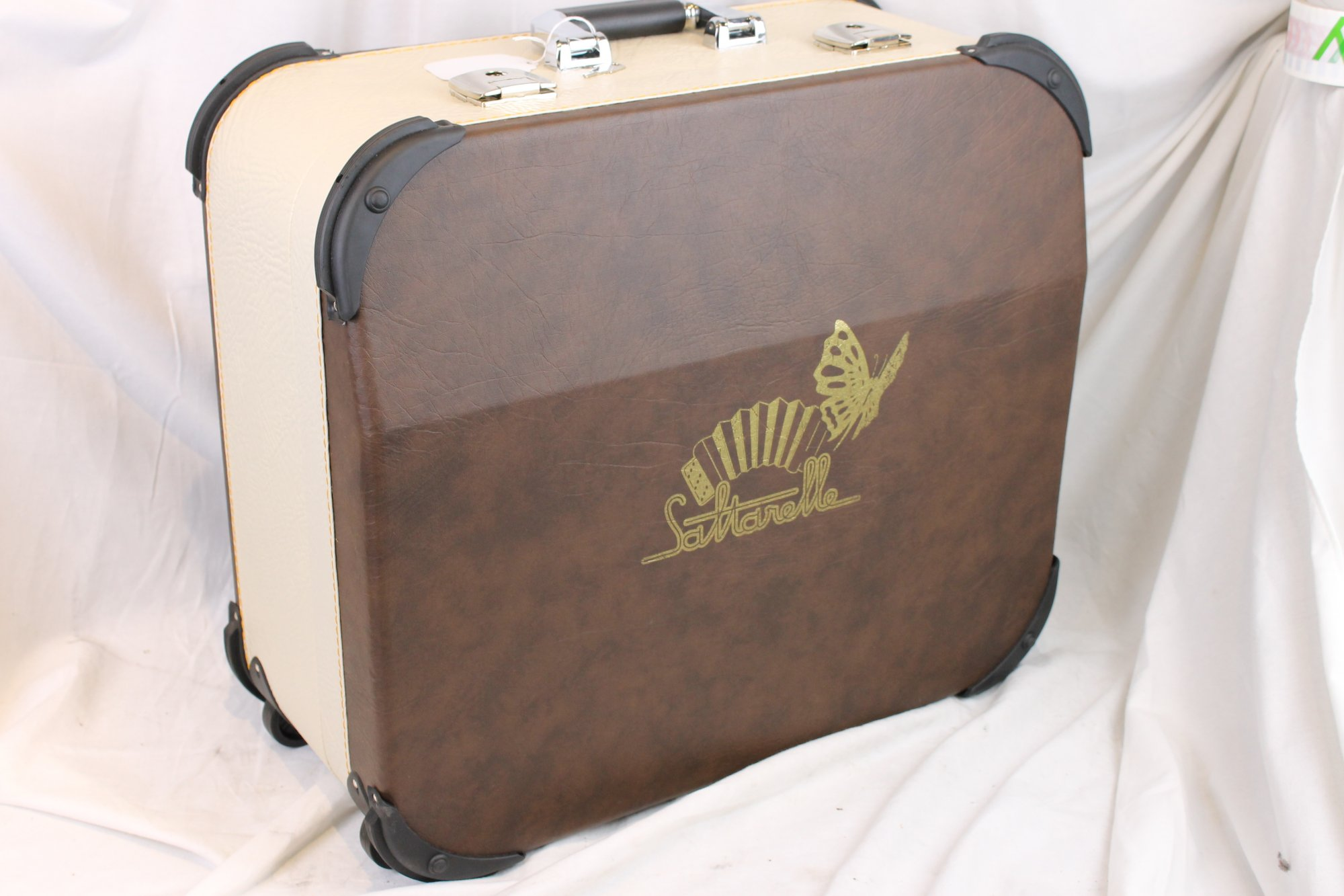 NEW Chocolate Tan Saltarelle Trolley Hard Case for Accordion 20.25 x 17.25 x 9.5