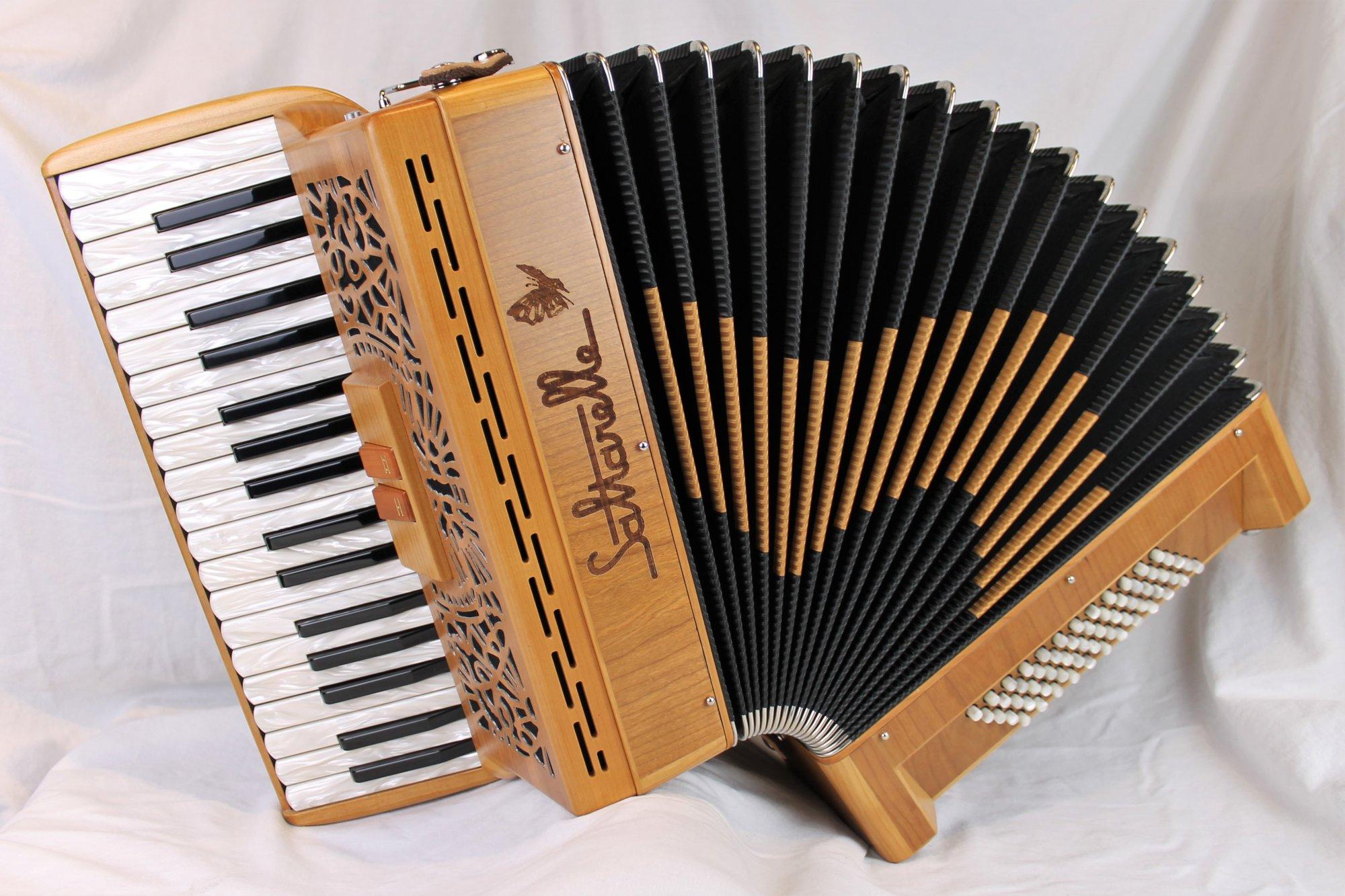 NEW Cherry Saltarelle Clifden Piano Accordion MM 35 60
