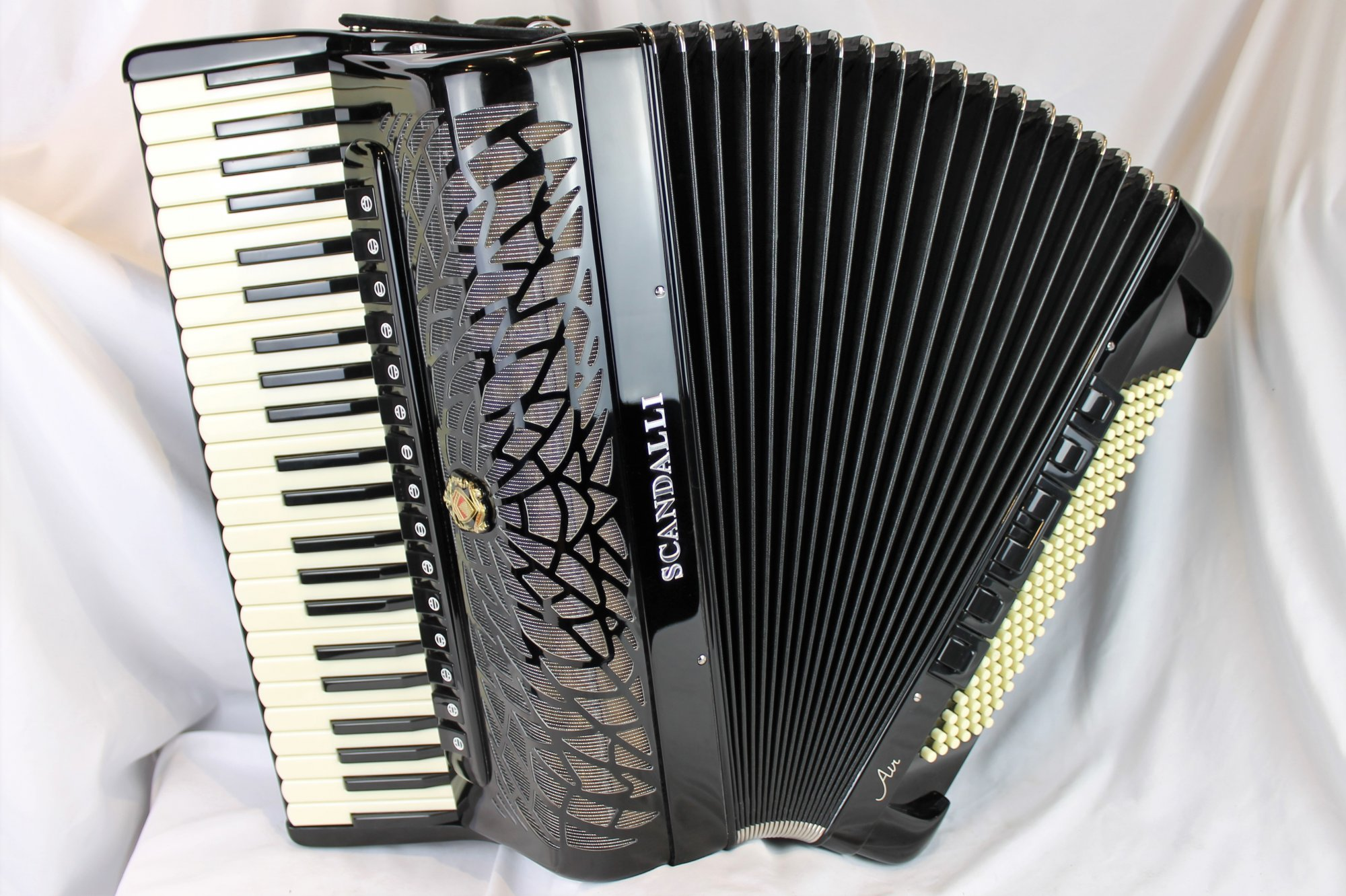 NEW Black Scandalli Air VI 47 Piano Accordion LMMH 47 120