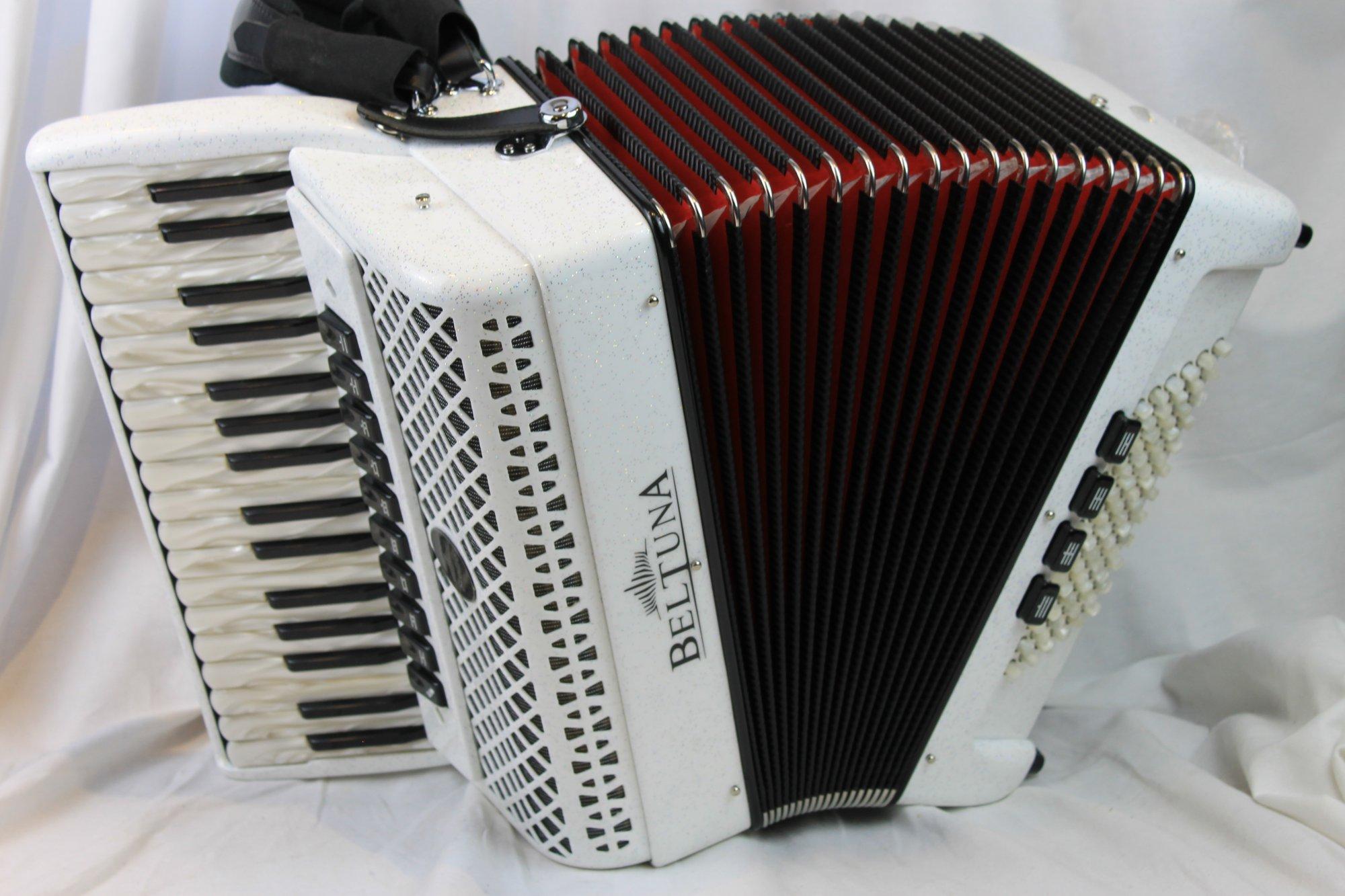 NEW White Diamond Beltuna Studio IV Piano Accordion LMMM 34 72