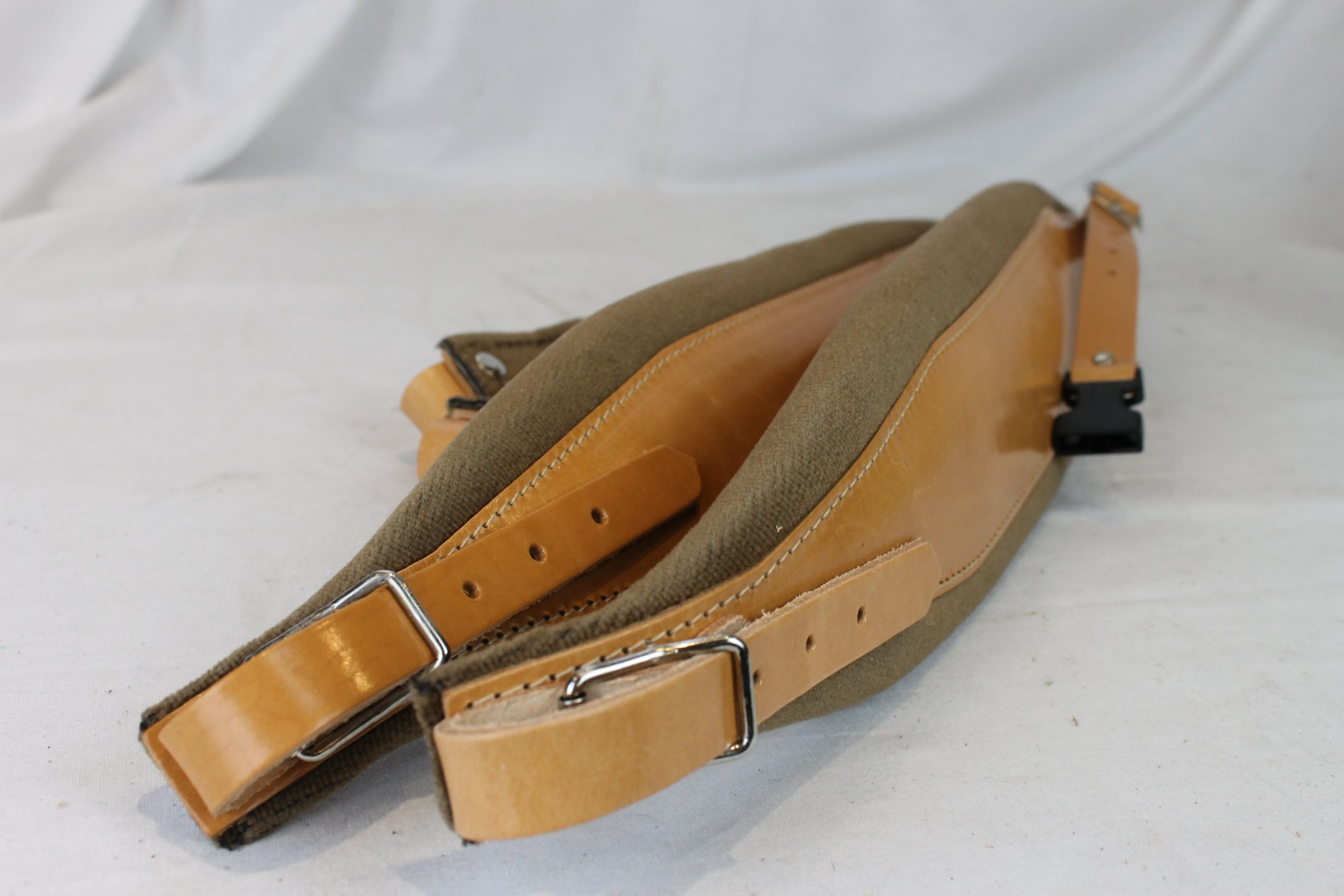 New Tan Leather Velour Fuselli Accordion Shoulder Straps Width (10cm / 3.9in) Length (95~115cm / 37.4~45.3in)