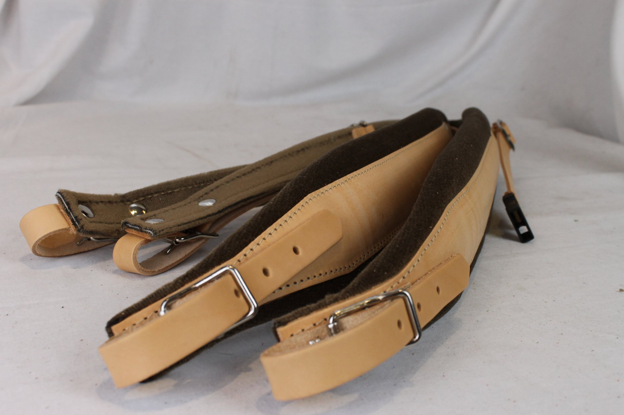 New Tan Leather Velour Fuselli Accordion Shoulder Straps Width (8cm / 3.1in) Length (85~105cm / 33.5~41.3in)