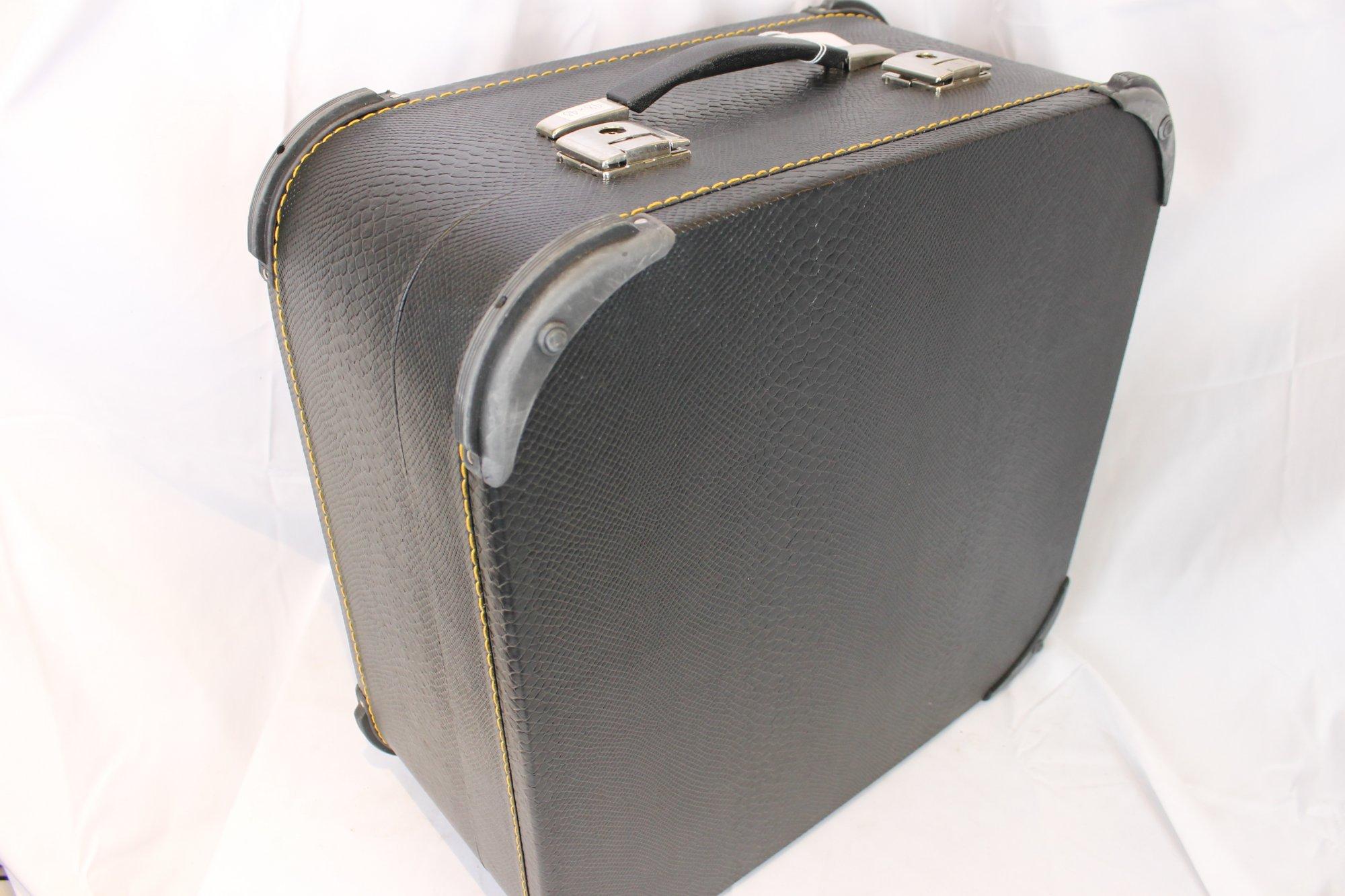 Black Italian Accordion Hard Case 19 x 18.5 x 9.5 (48.5 cm x 47cm x 24cm)