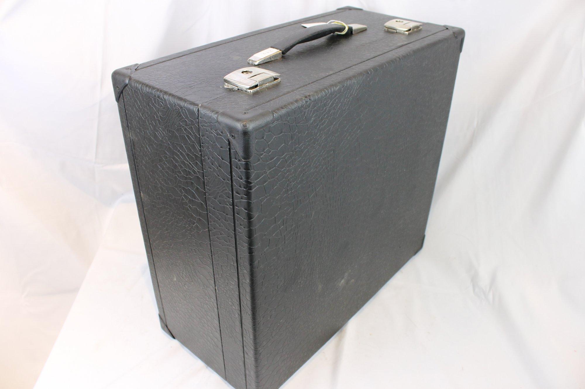 Black Italian Accordion Hard Case 19.25 x 17.75 x 9 (49cm x 45cm x 23cm)