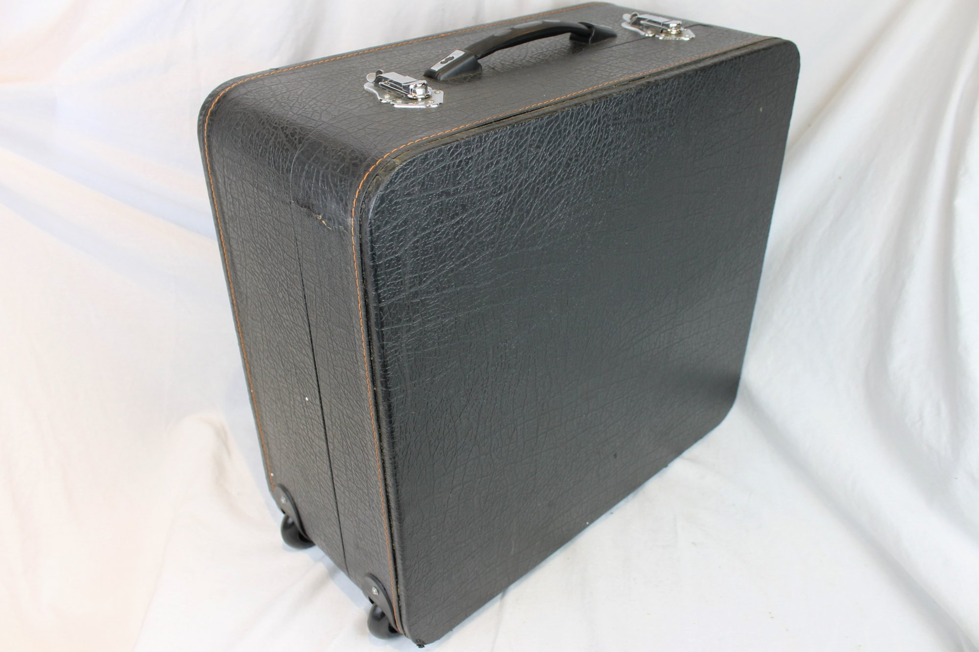 Black Accordion Trolley Hard Case 20 x 19 x 9.5 (51 cm x 48.5cm x 24cm)