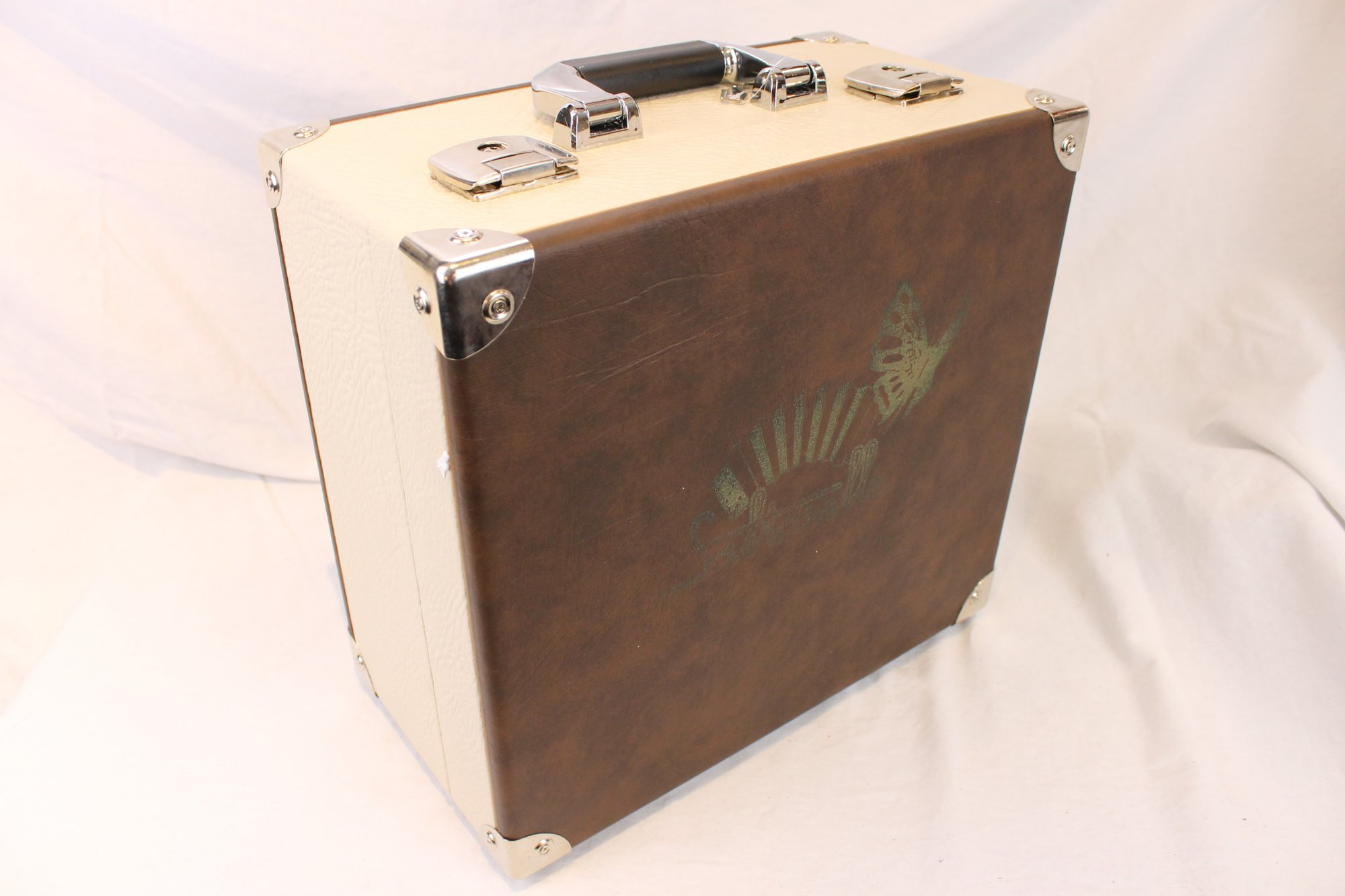NEW Deluxe Saltarelle Hard Case for Accordion 14 x 12.75 x 7.5