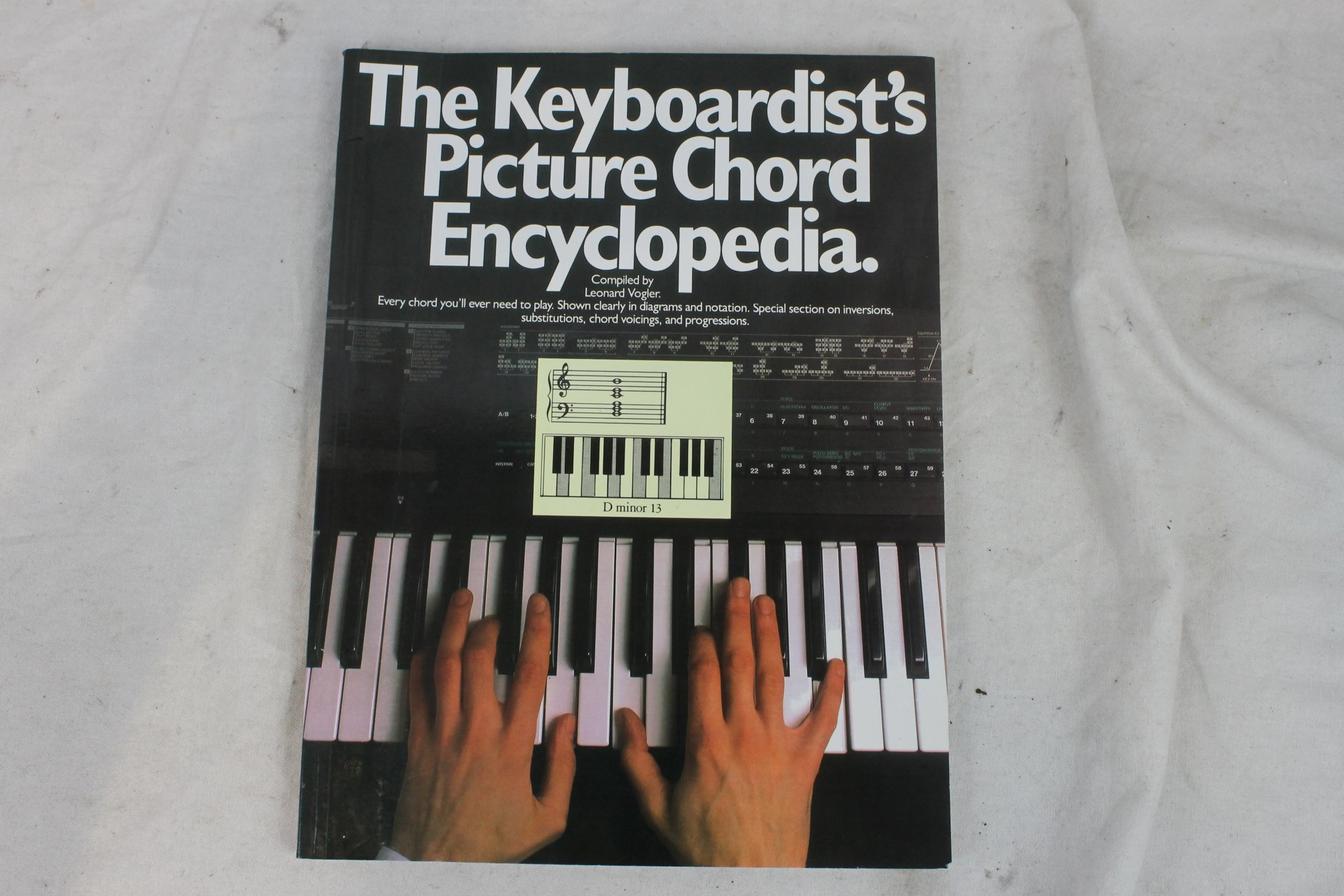 The Keyboardist's Picture Chord Encylopedia Book