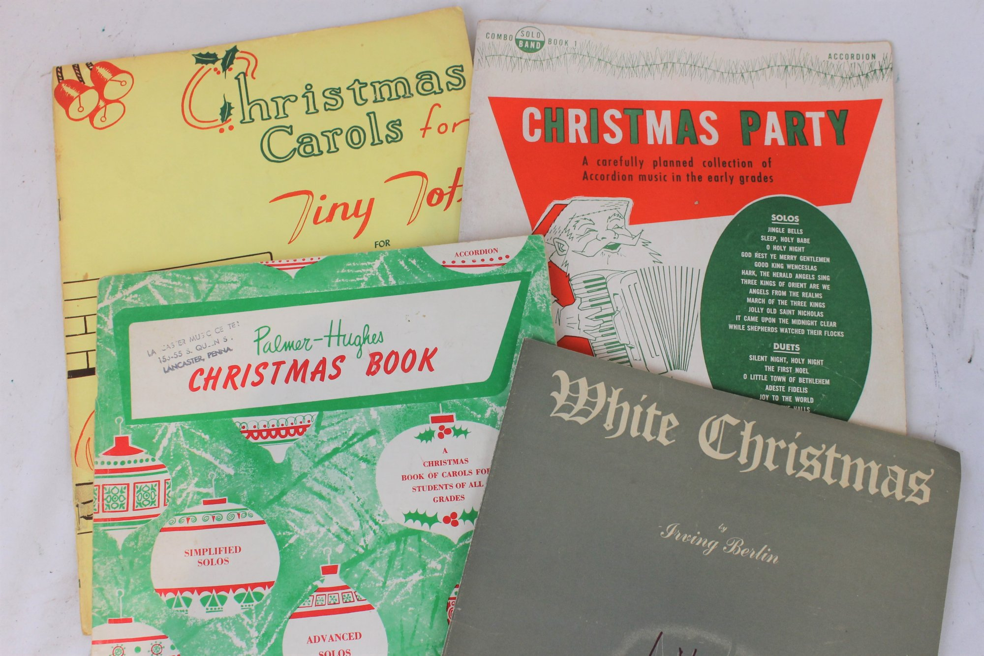 Lot of 4 Used Accordion Books and Sheets - Christmas Collection