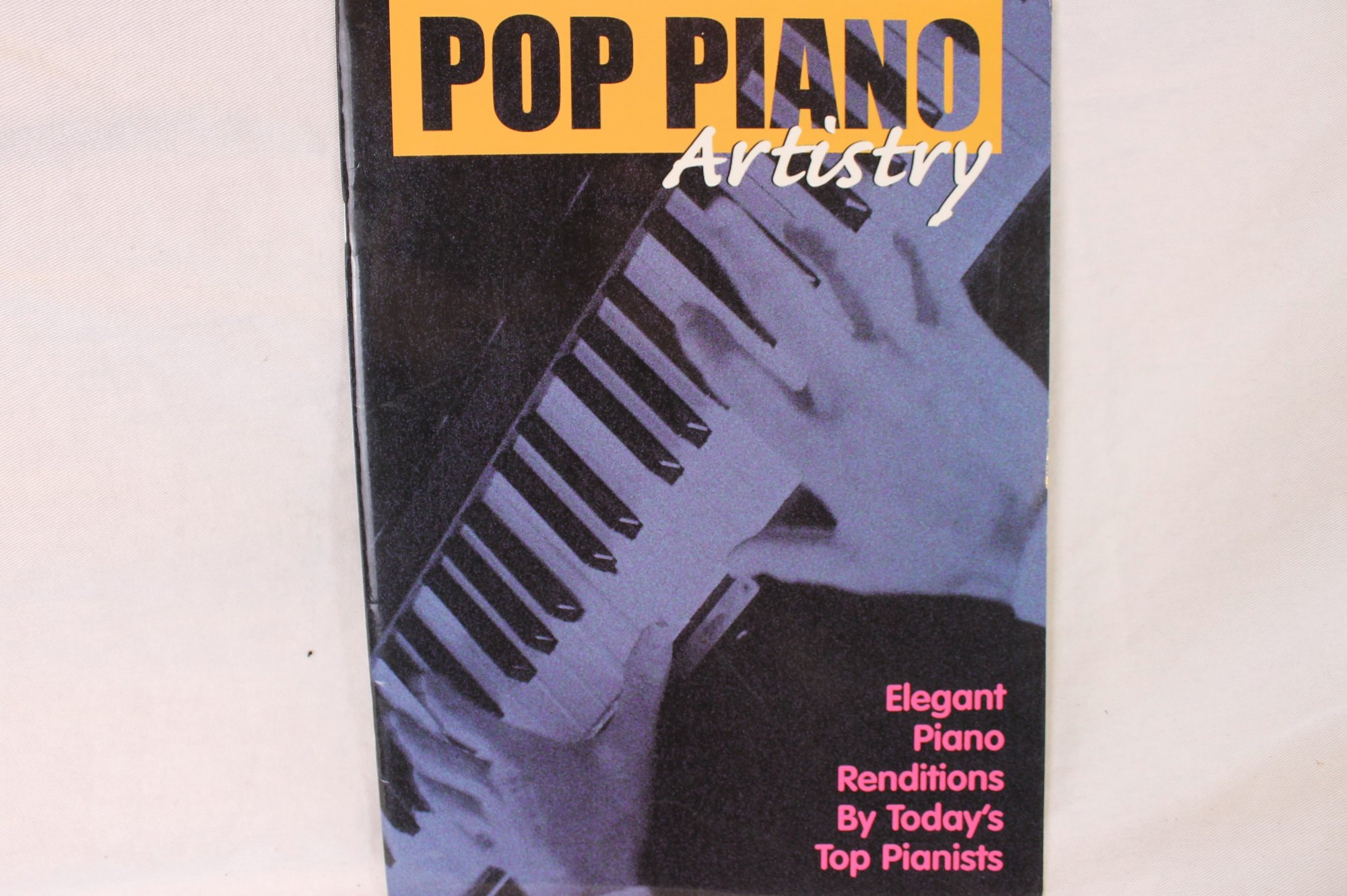 Pop Piano Artistry: Elegant Piano Renditions by Today's Top Pianists