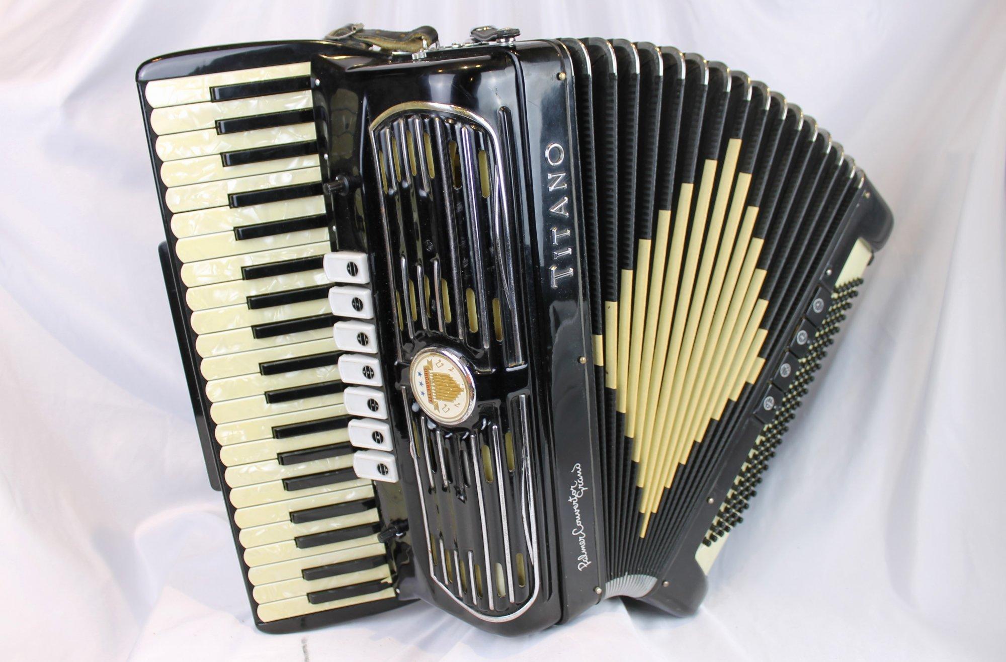 1442 - Black Titano Palmer Converter Grand Piano Accordion LMM 41 120