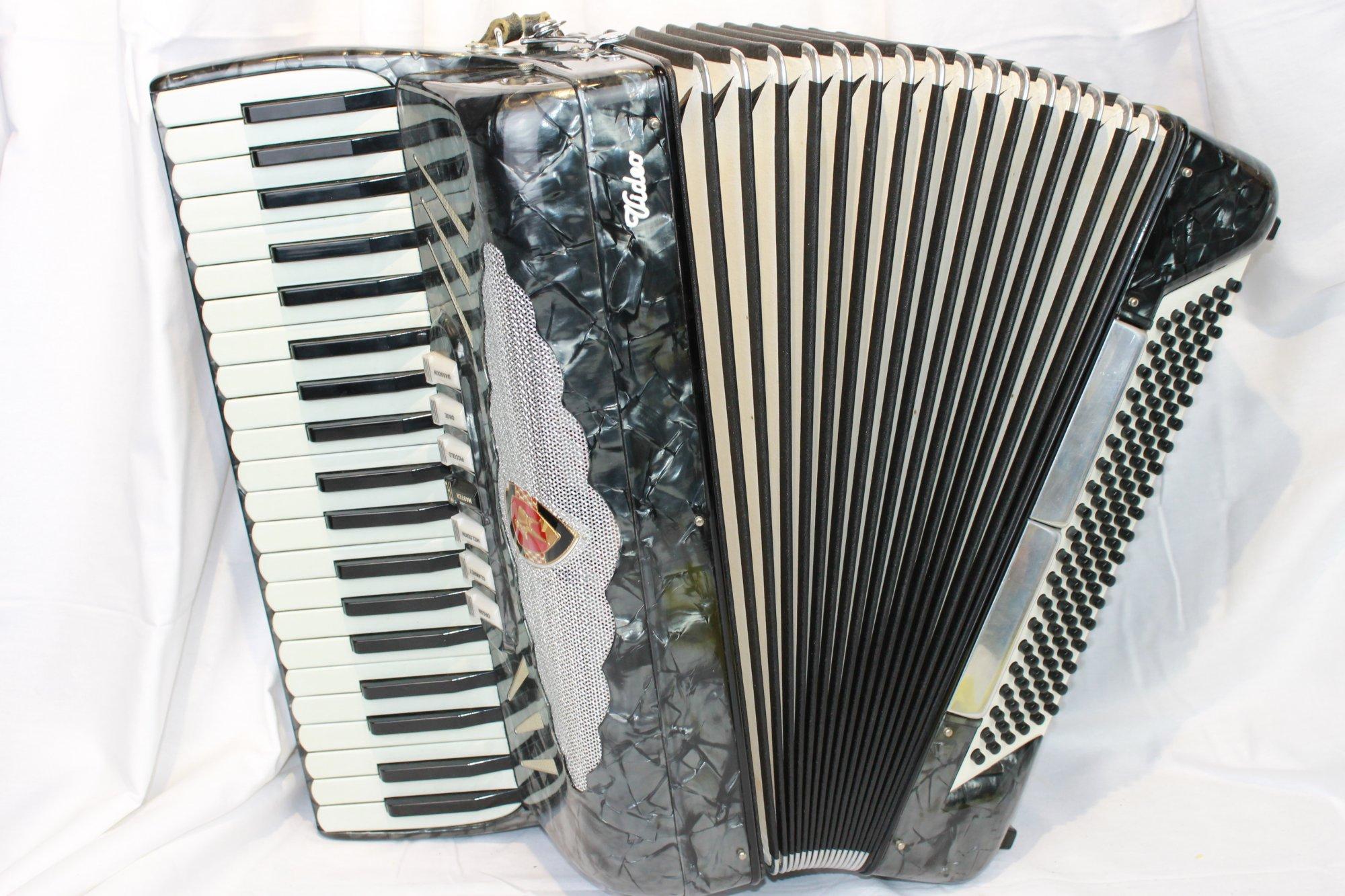 2901 - Slate Crucianelli Video Piano Accordion LMH 41 120