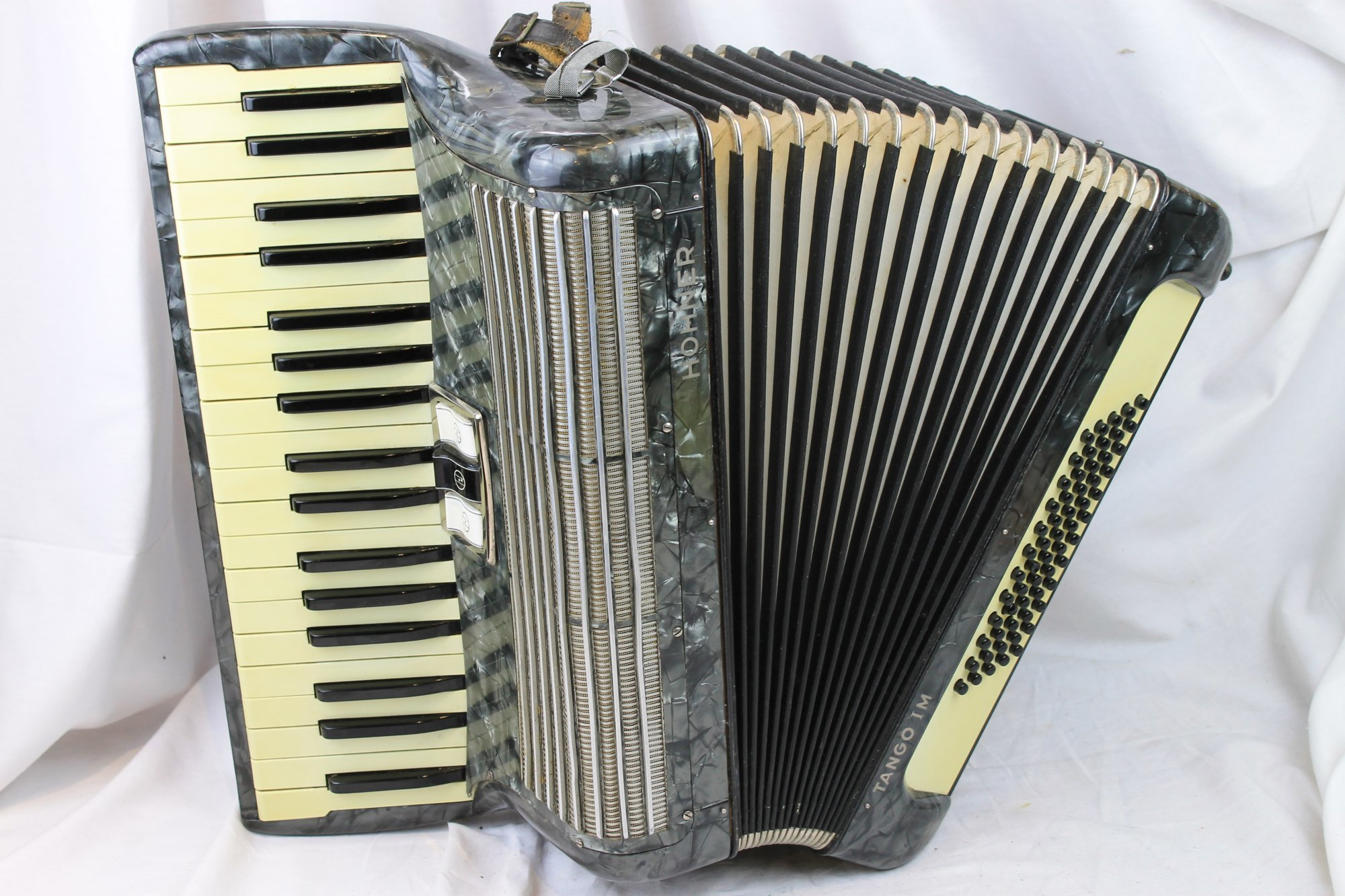 2997 - Slate Hohner Tango IM Piano Accordion MM 37 60