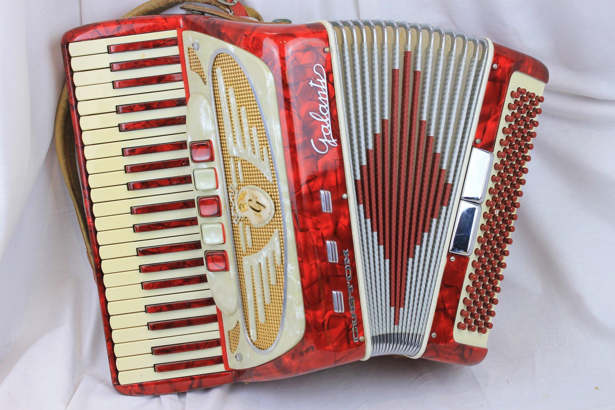 2999 - Red Galanti Piano Accordion LM 41 120