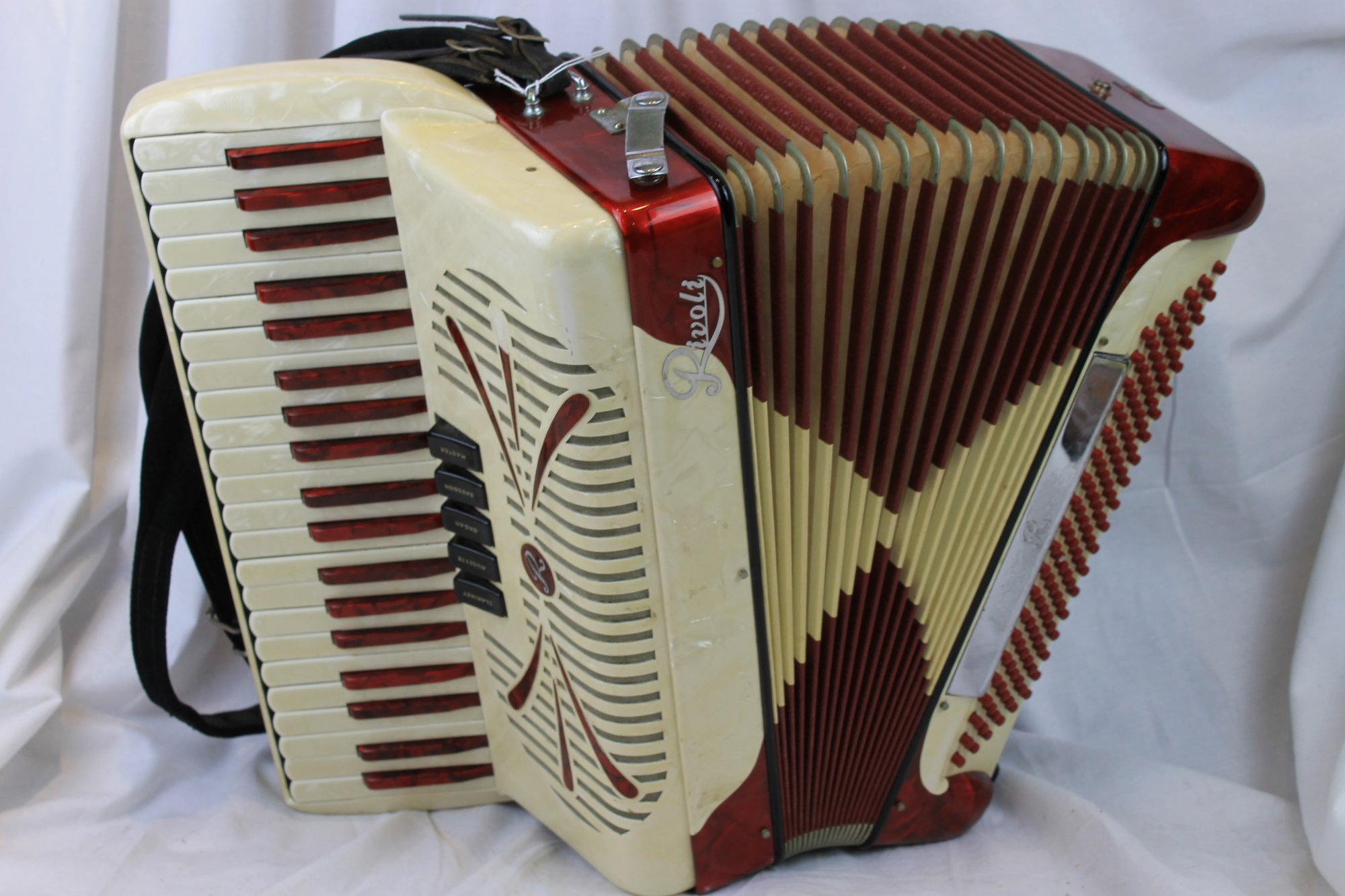 3010 - Candy Stripe Rivoli Piano Accordion LMH 41 120