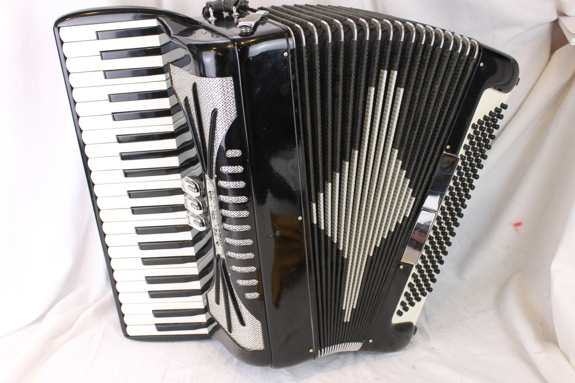 3085 - Black Melodiana Piano Accordion LMM 41 120