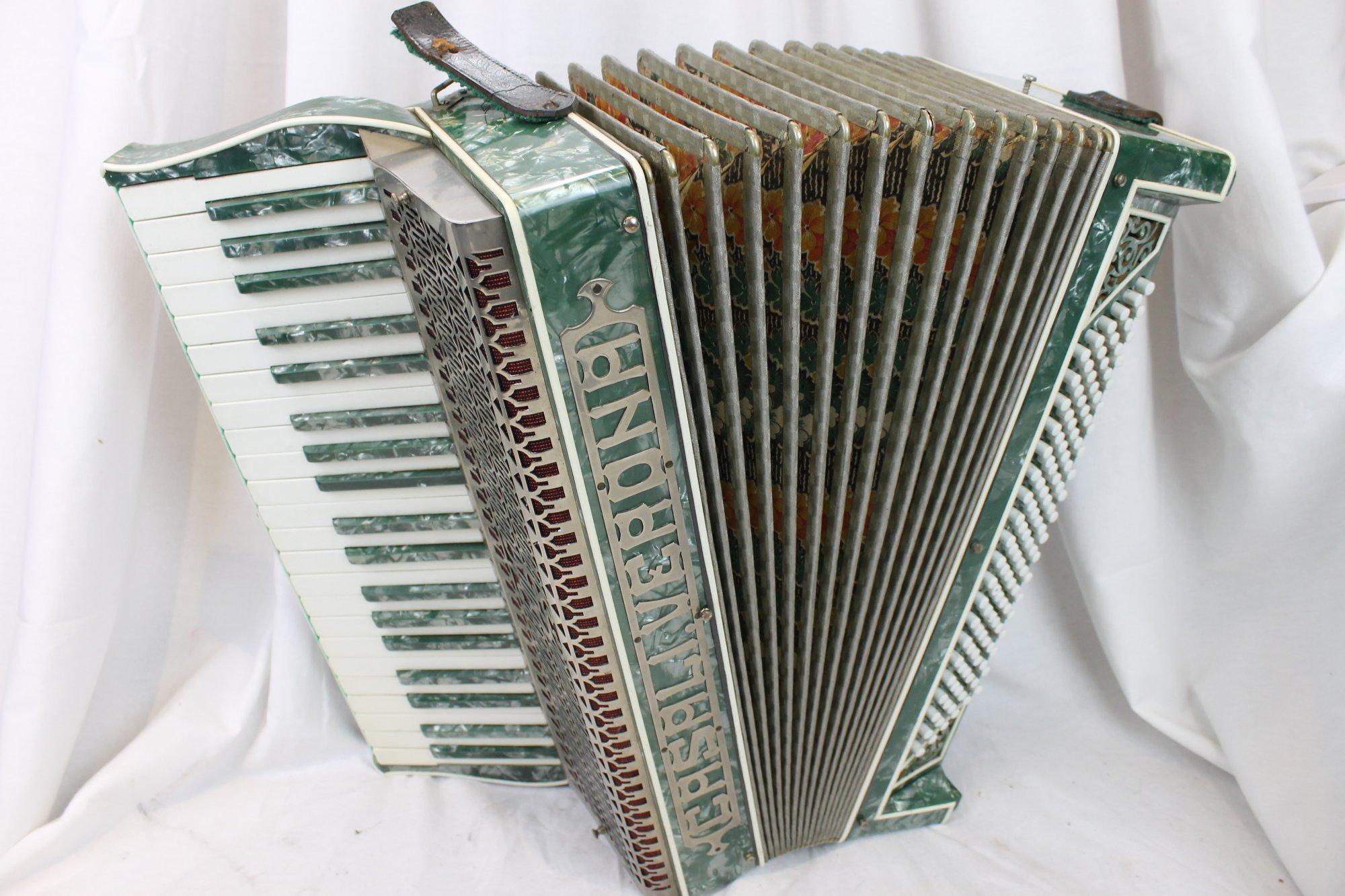 3114 - Green Casali Verona Piano Accordion LMM 41 120