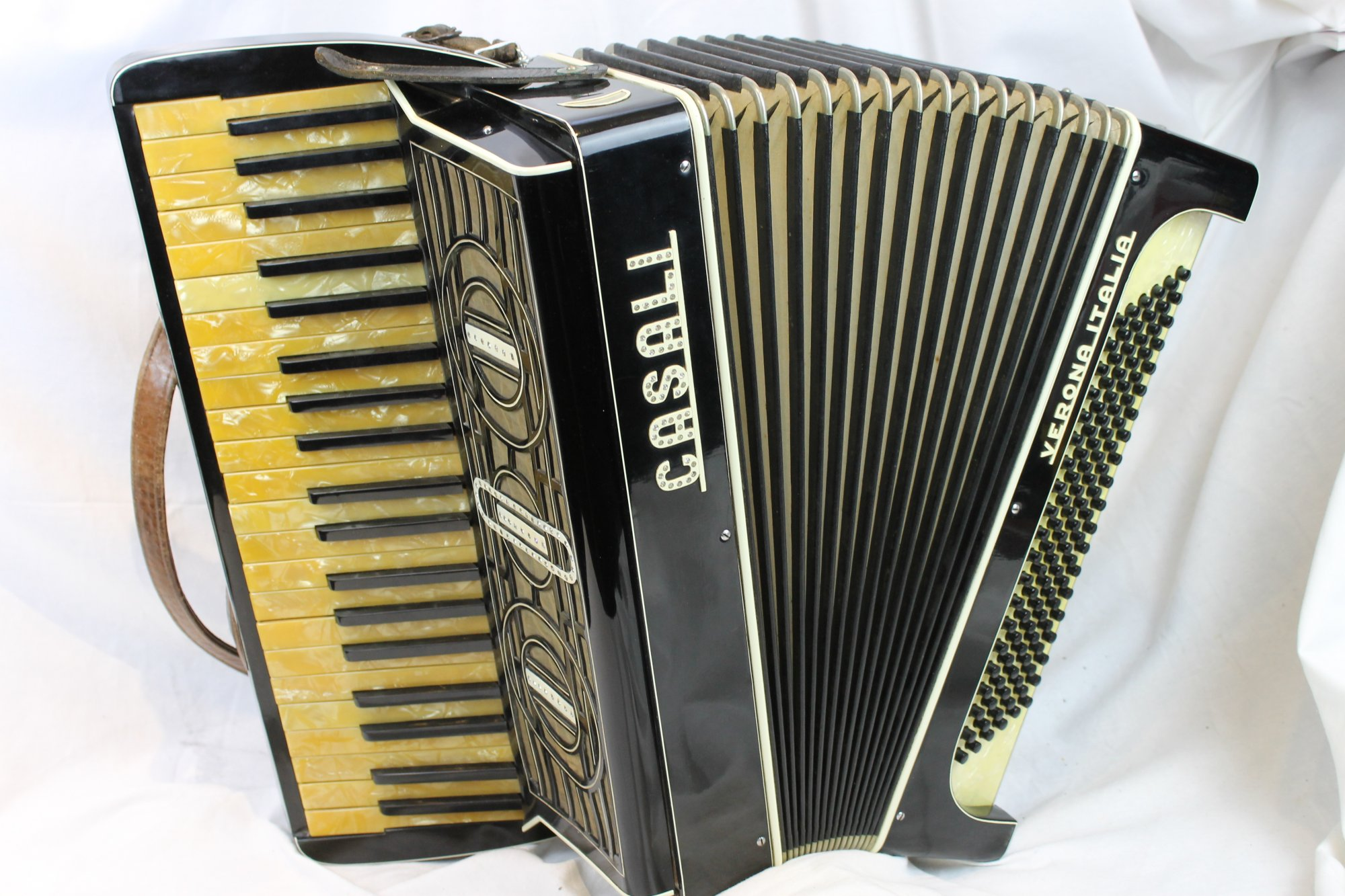 3123 - Black Casali Verona Piano Accordion LMM 41 120