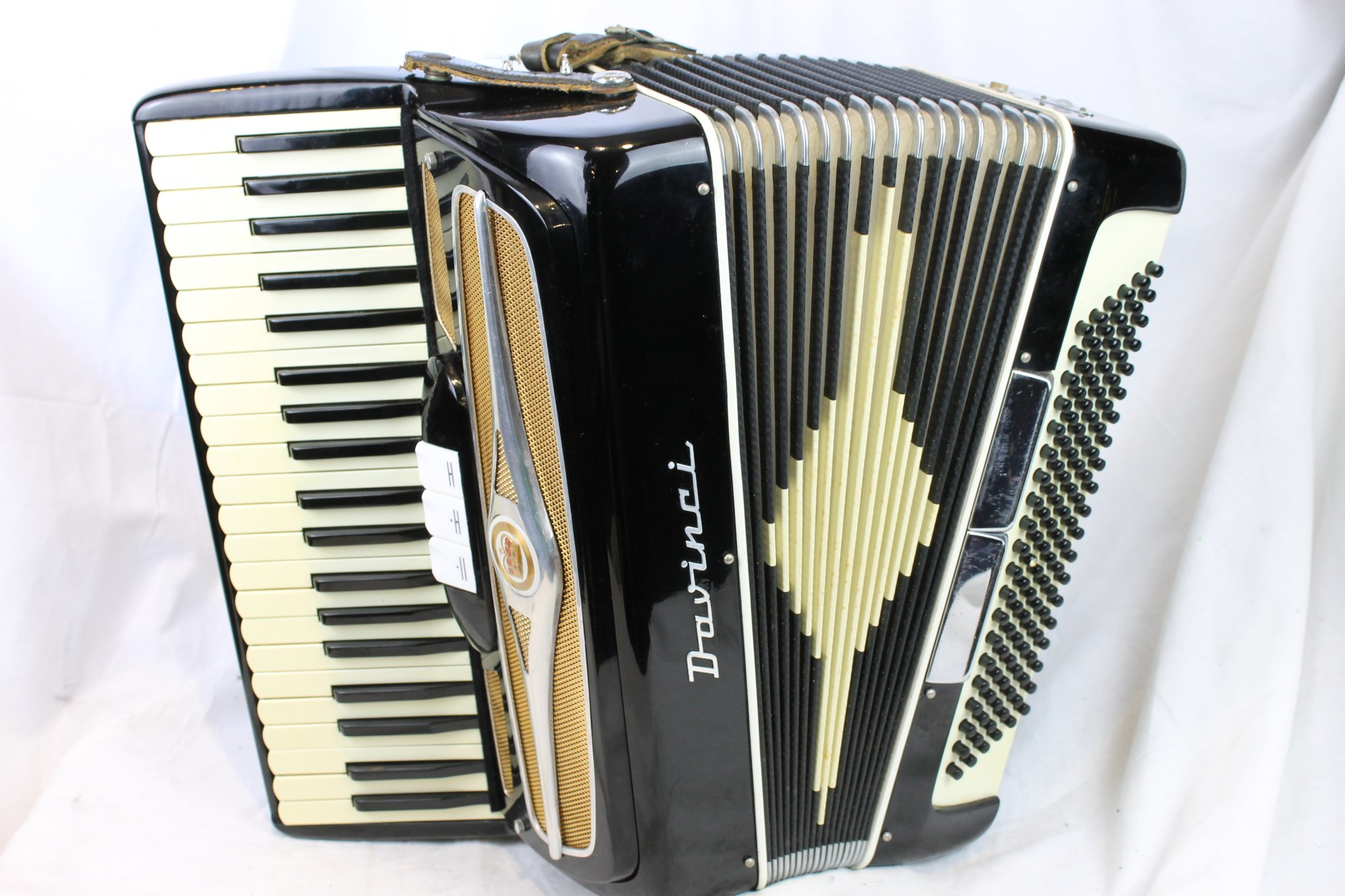 3143 - Black Davinci Piano Accordion LM 41 120