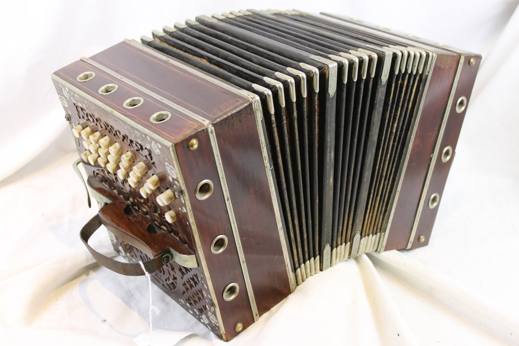 3223 - Wood German Chemnitzer Concertina MH 28/21
