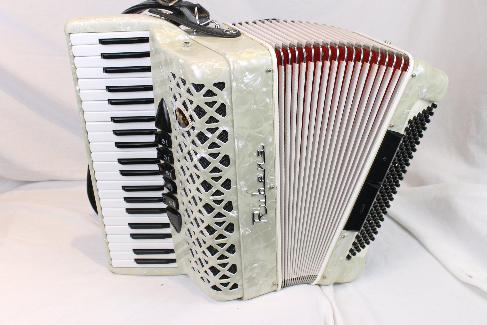 3542 - White Rubens Piano Accordion LM 41 120
