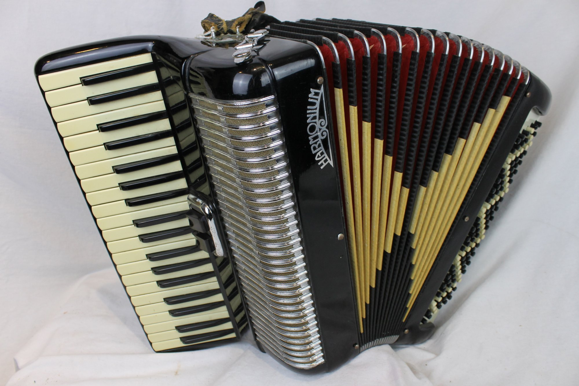3624 - Black Harmonium Piano Accordion LM 39 120