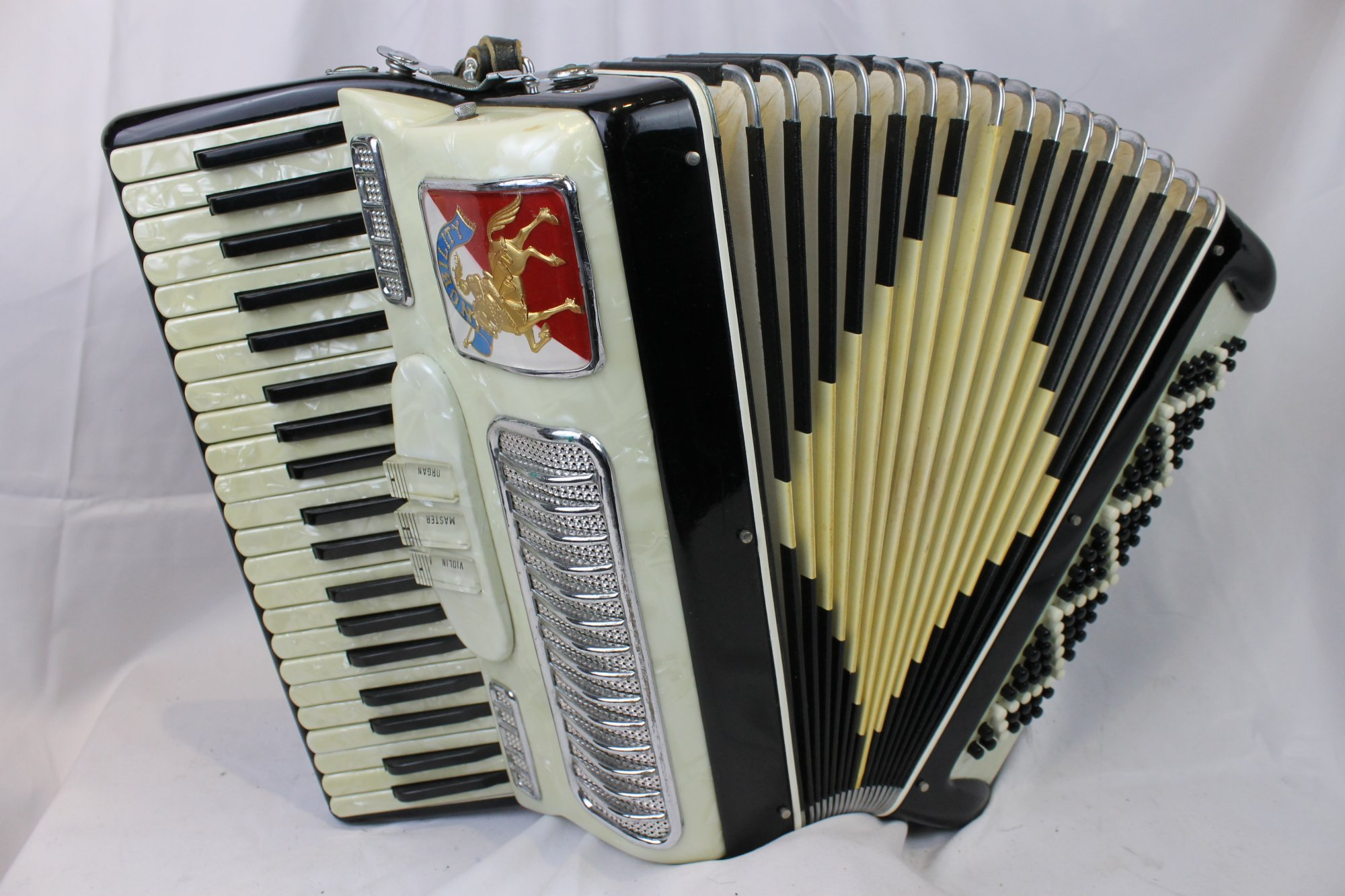 3684 - Black White Noble Nobility Piano Accordion LM 41 120