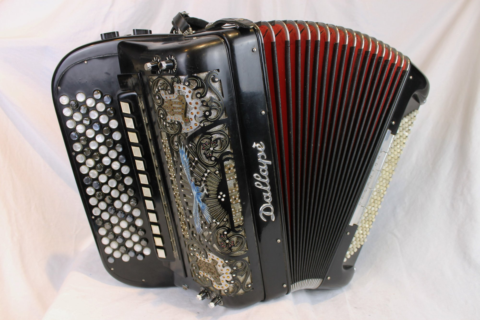 3845 - Black Dallape Organtone Chromatic Button Accordion 6 Row B System LMMH 93 140