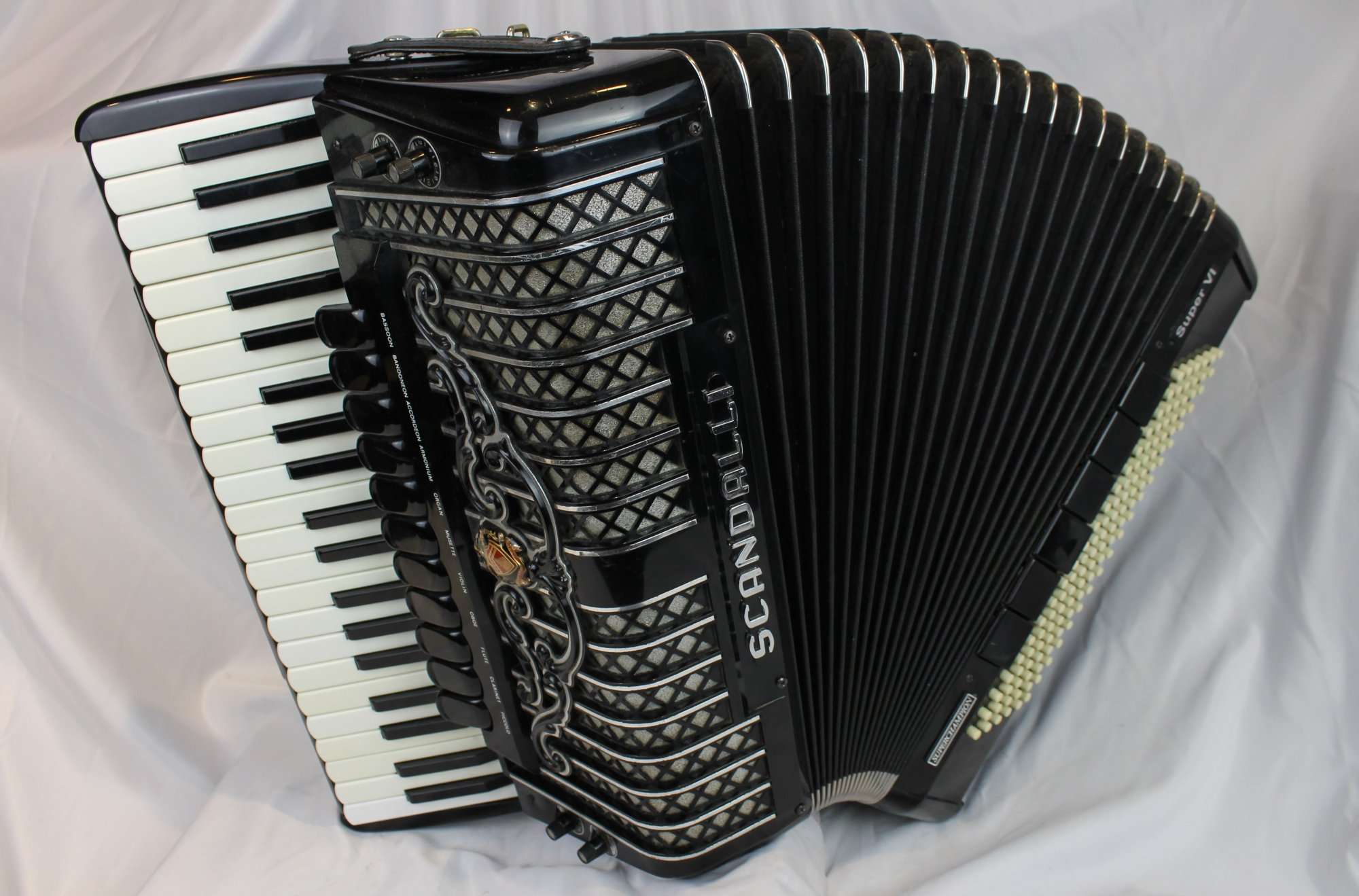 3905 - Black Scandalli Super VI Piano Accordion LMMH 41 120